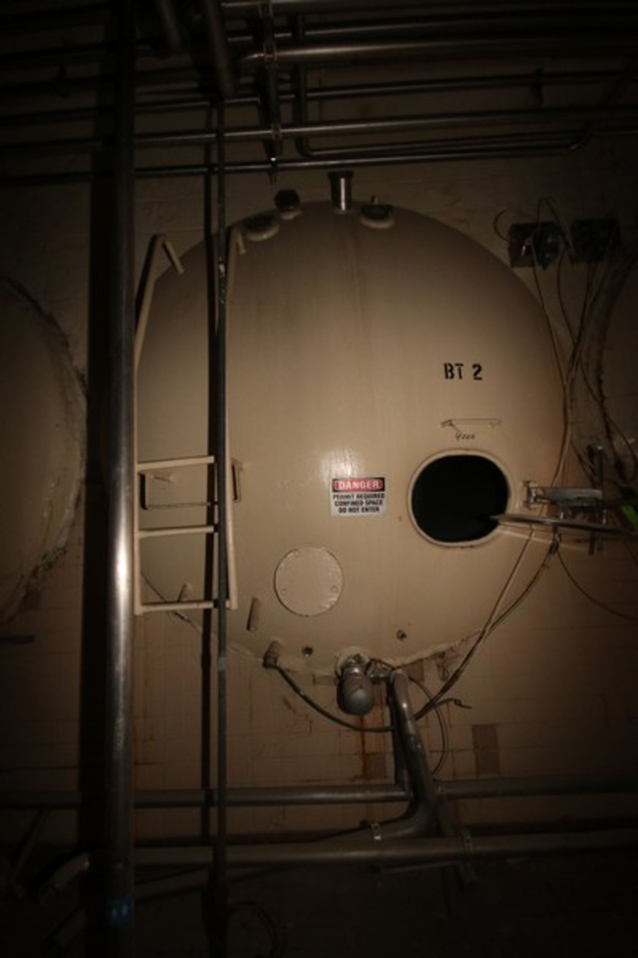 Aprox. 4,000 Gal. S/S Horizontal Tank, with Carbon Steel Sheathing, Dish Heads, Tank Dims.: Aprox. - Image 2 of 4