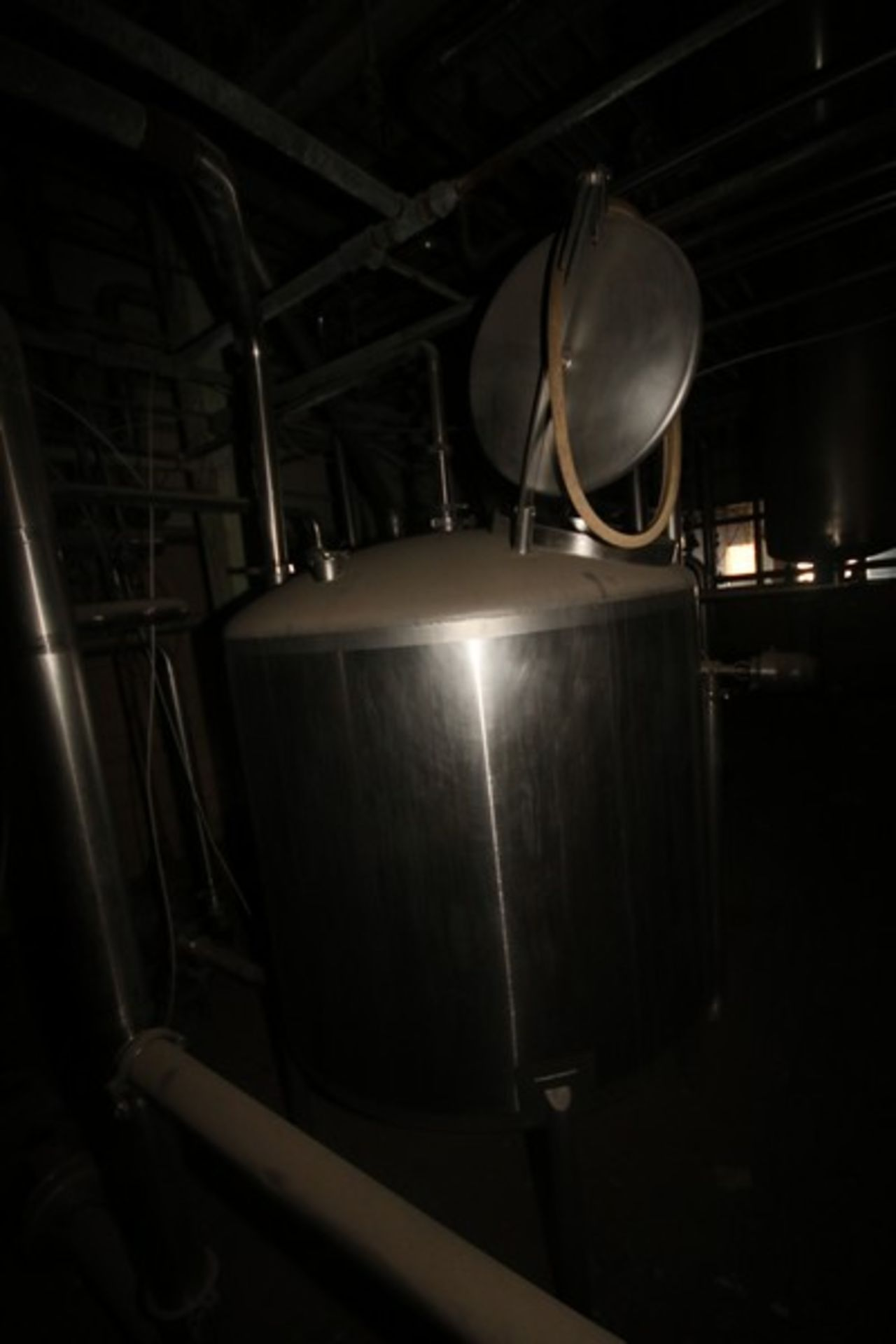 "Aprox. 450 Gal. S/S Tank, Approximately 450 Gallon, Tank Dims.: Aprox. 56"" Dia. x 44"" H Straight - Image 3 of 5"