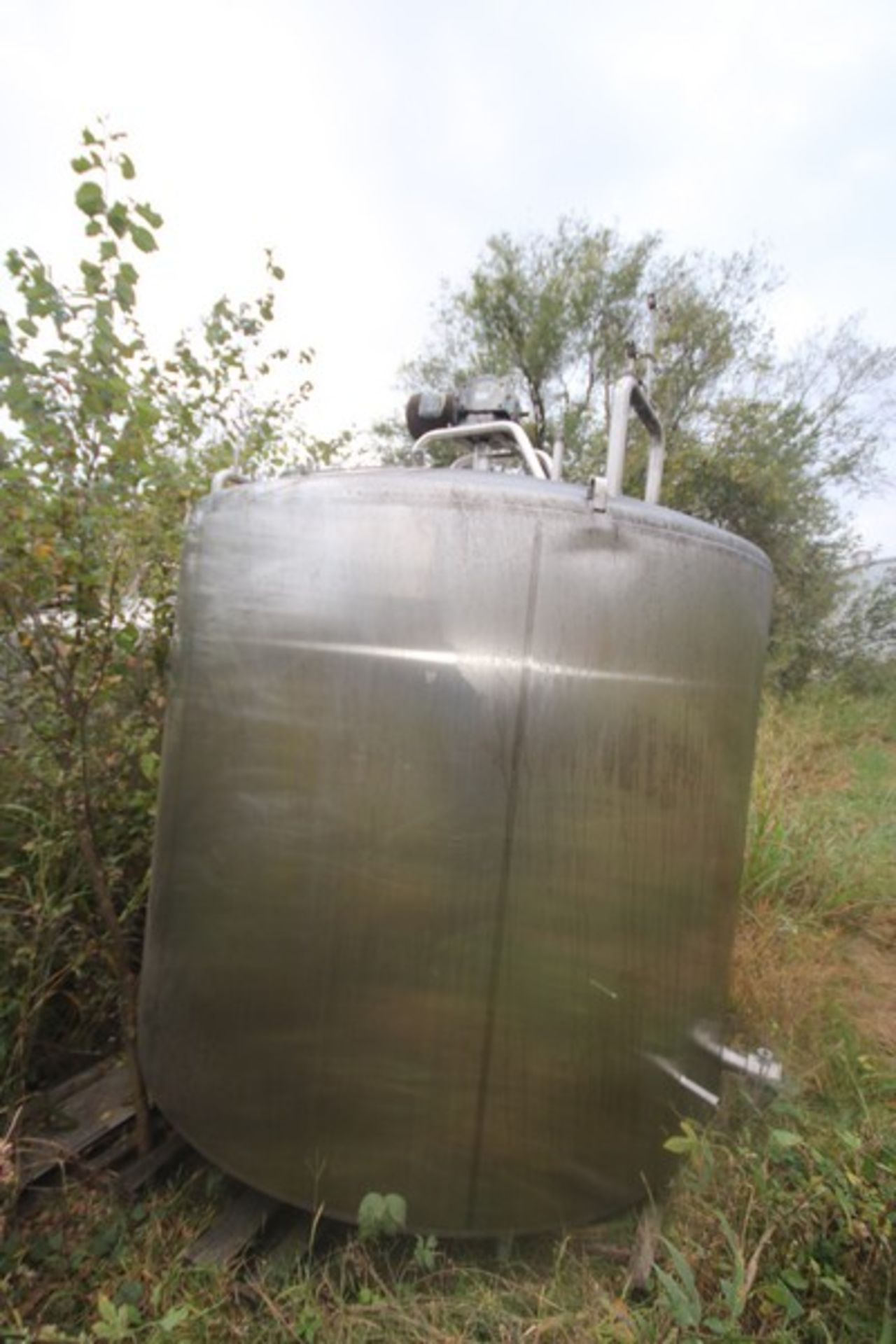 """Aprox. 2,300 Gal. S/S Processor, Tank Dims.: Aprox. 8' Diameter x 76"""" Straight Side, Dish Top, - Image 3 of 6"""