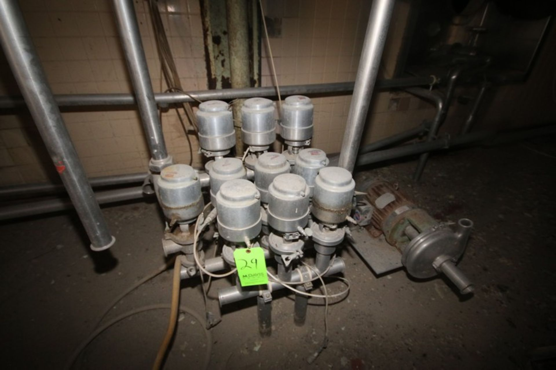 "Cluster of (10) 2"" Clamp Type S/S Air Valves (LOCATED IN Muenster, TX) - Image 2 of 3"