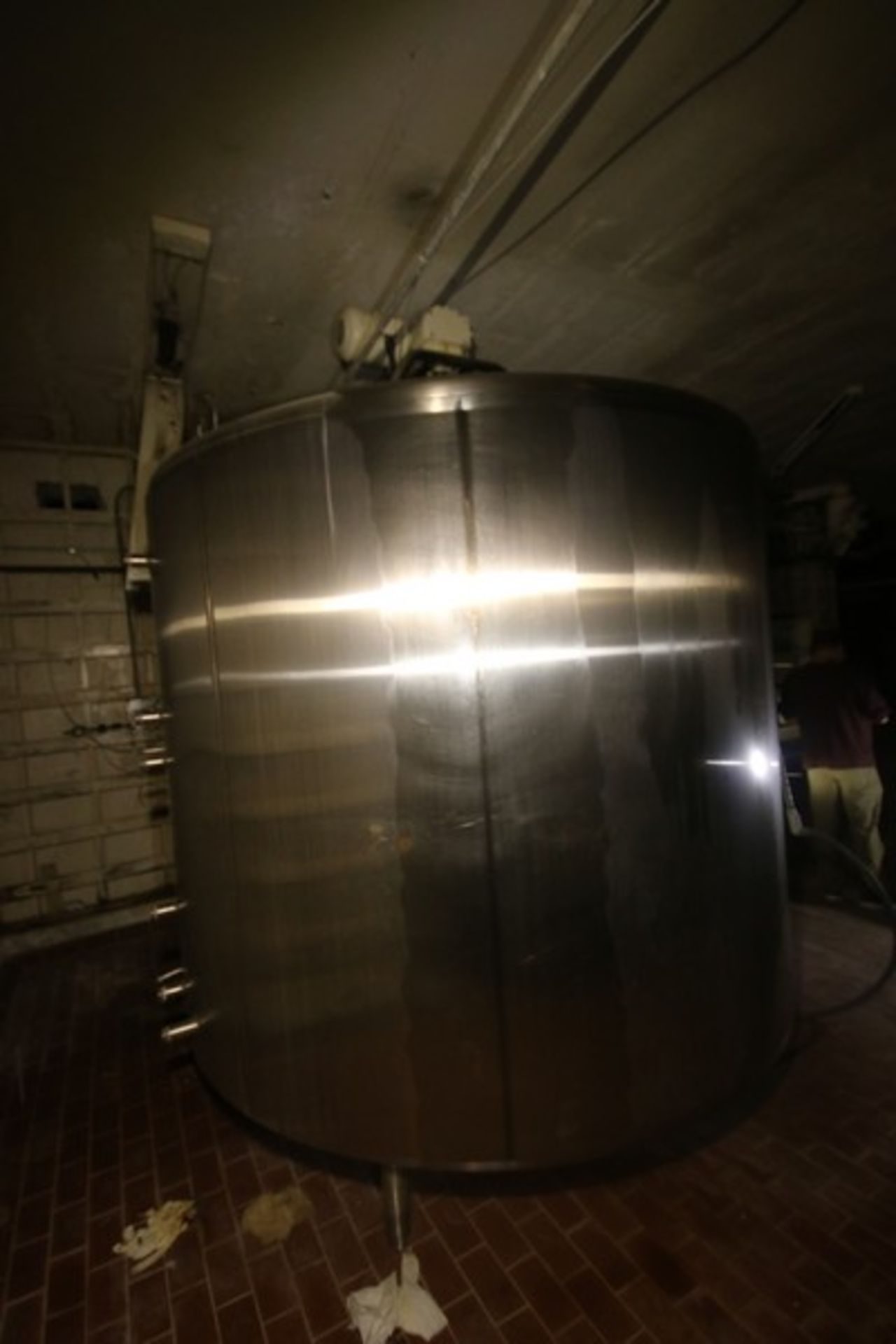 """Mueller Aprox. 2,000 Gal. S/S Processor, Processor Dims.: 8' Diameter x 62"""" Straight Side with - Image 4 of 8"""