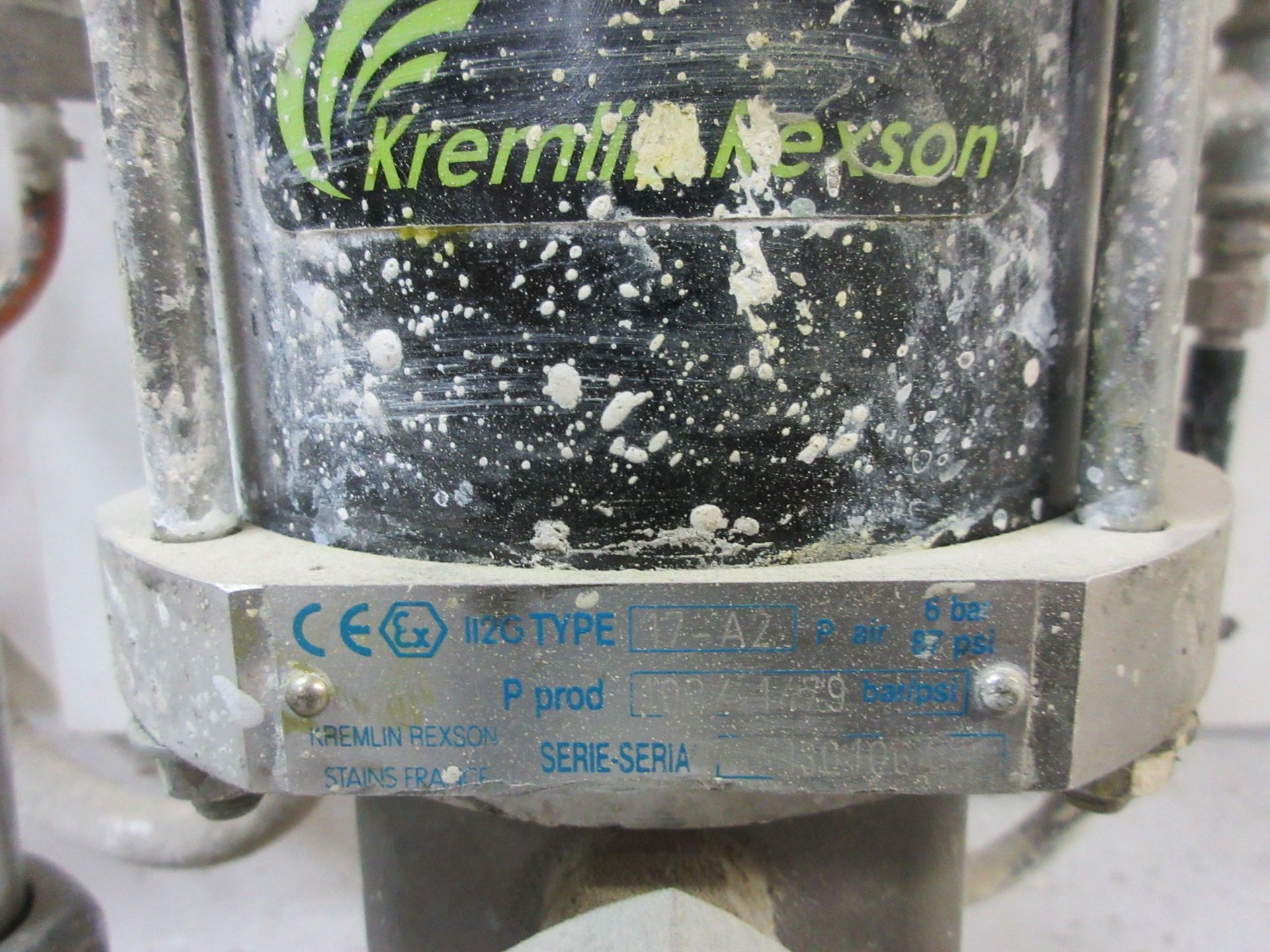 KREMLIN NEXON paint pump - Image 2 of 2