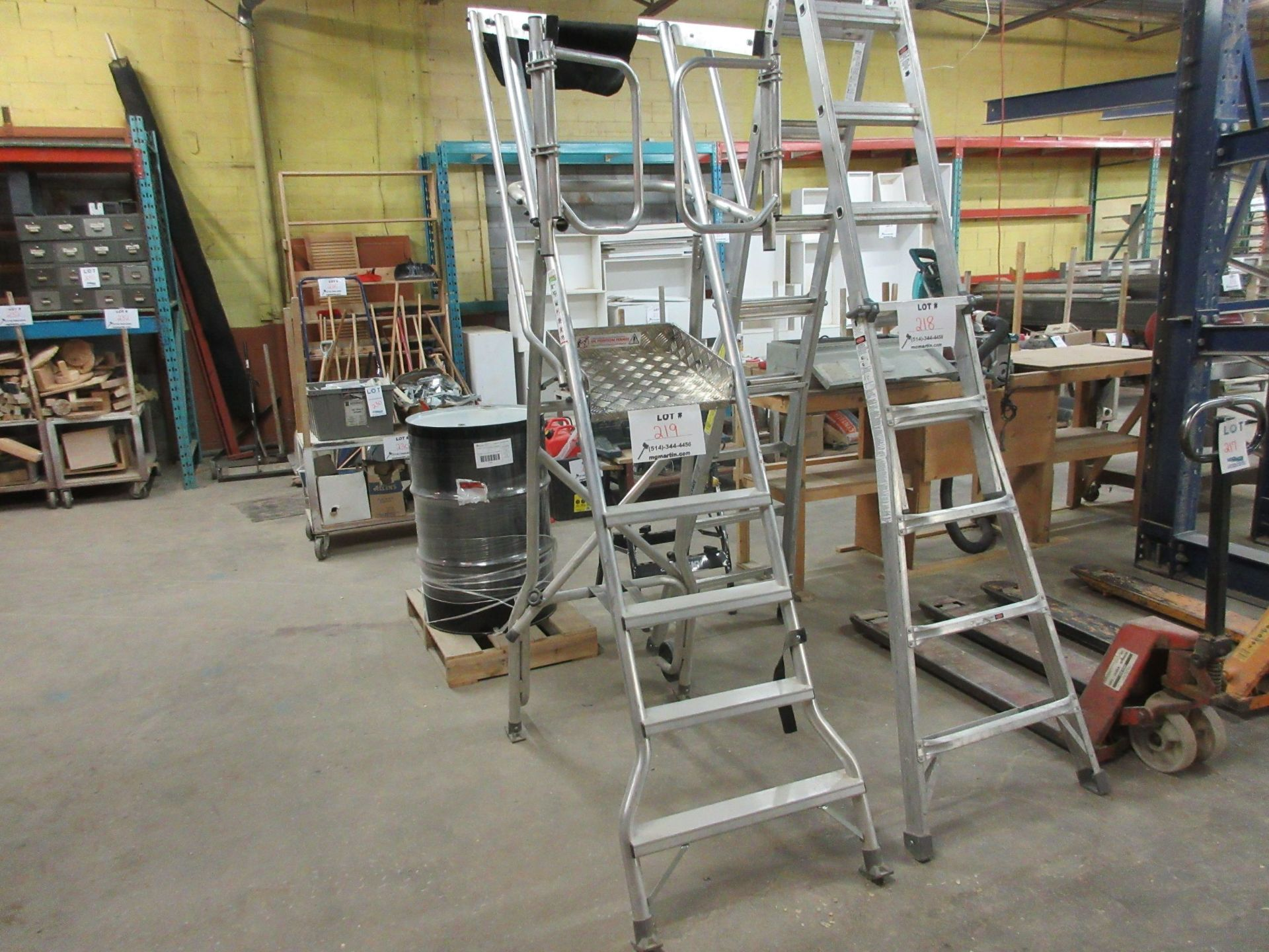 Lot 219 - Multiple platform heavy duty ladder 7ft