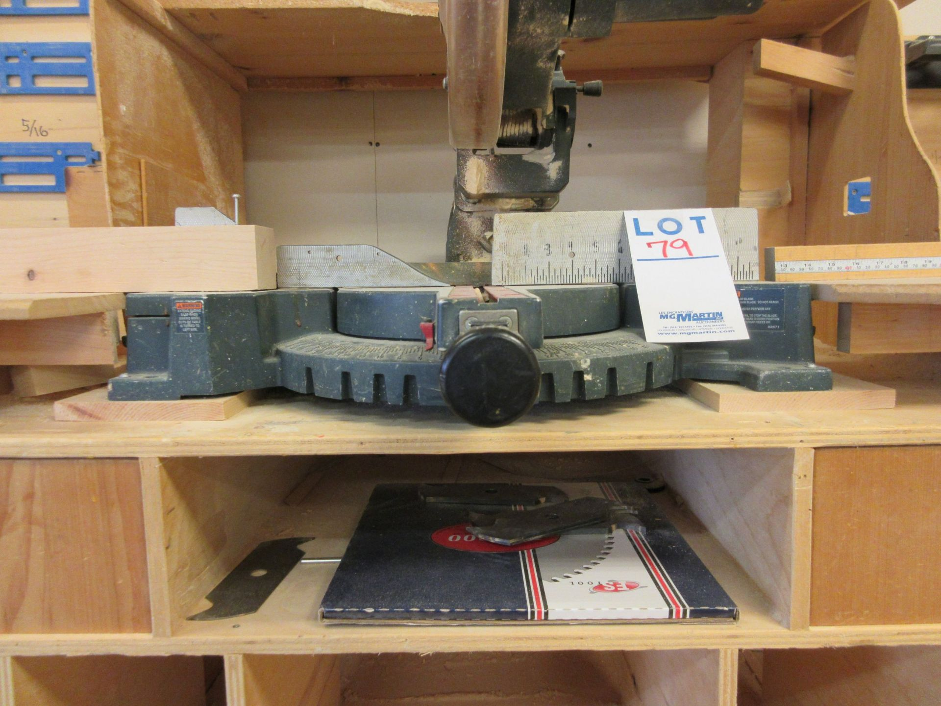 BOSCH Miter saw, Mod: 3915 c/w work table - Image 4 of 4