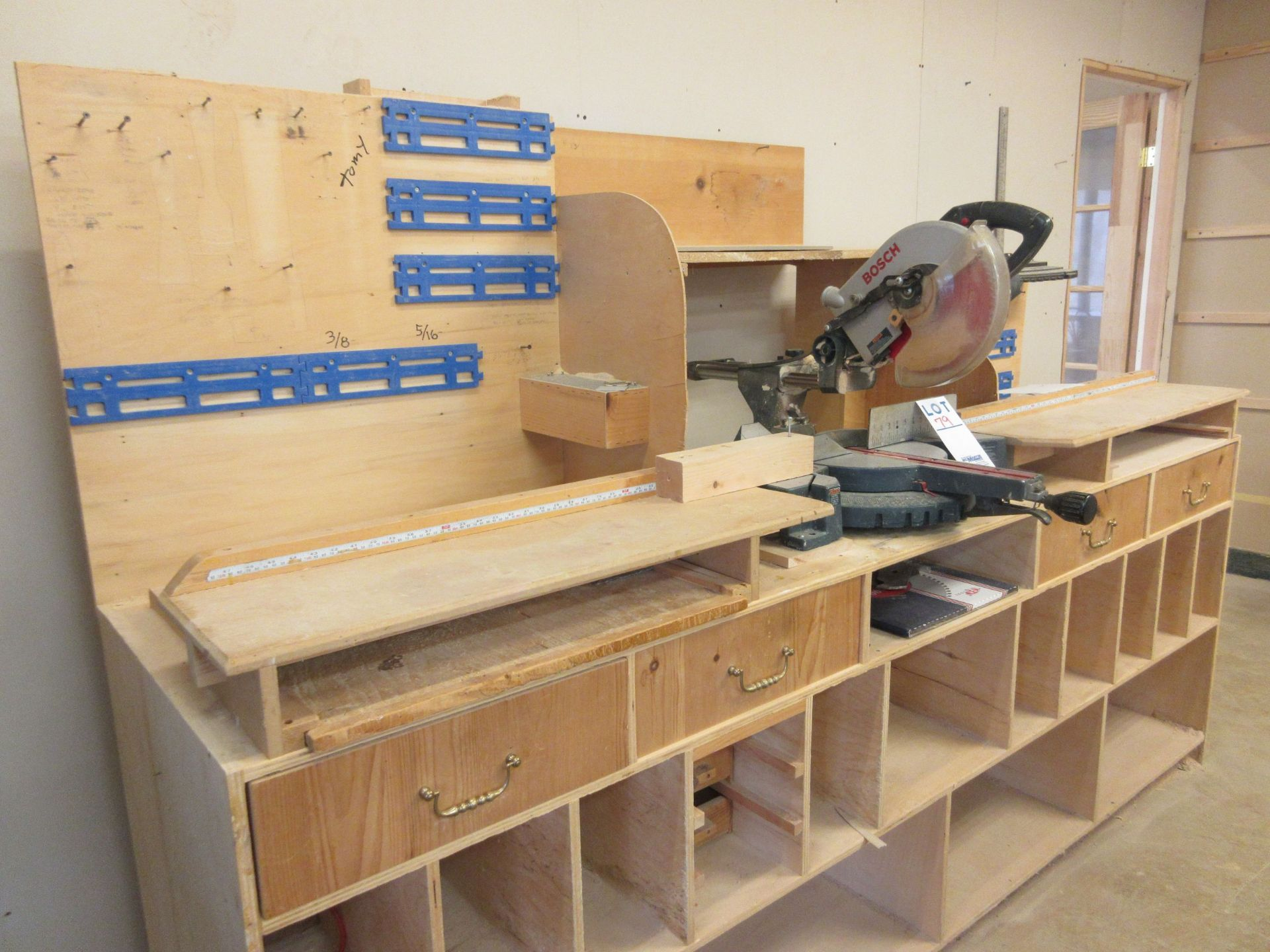 BOSCH Miter saw, Mod: 3915 c/w work table - Image 3 of 4