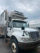 2013 INTERNATIONAL 4400 Diesel 7,6L engine THERMOKING refrigerated & freezer box (30ft). ALLISON