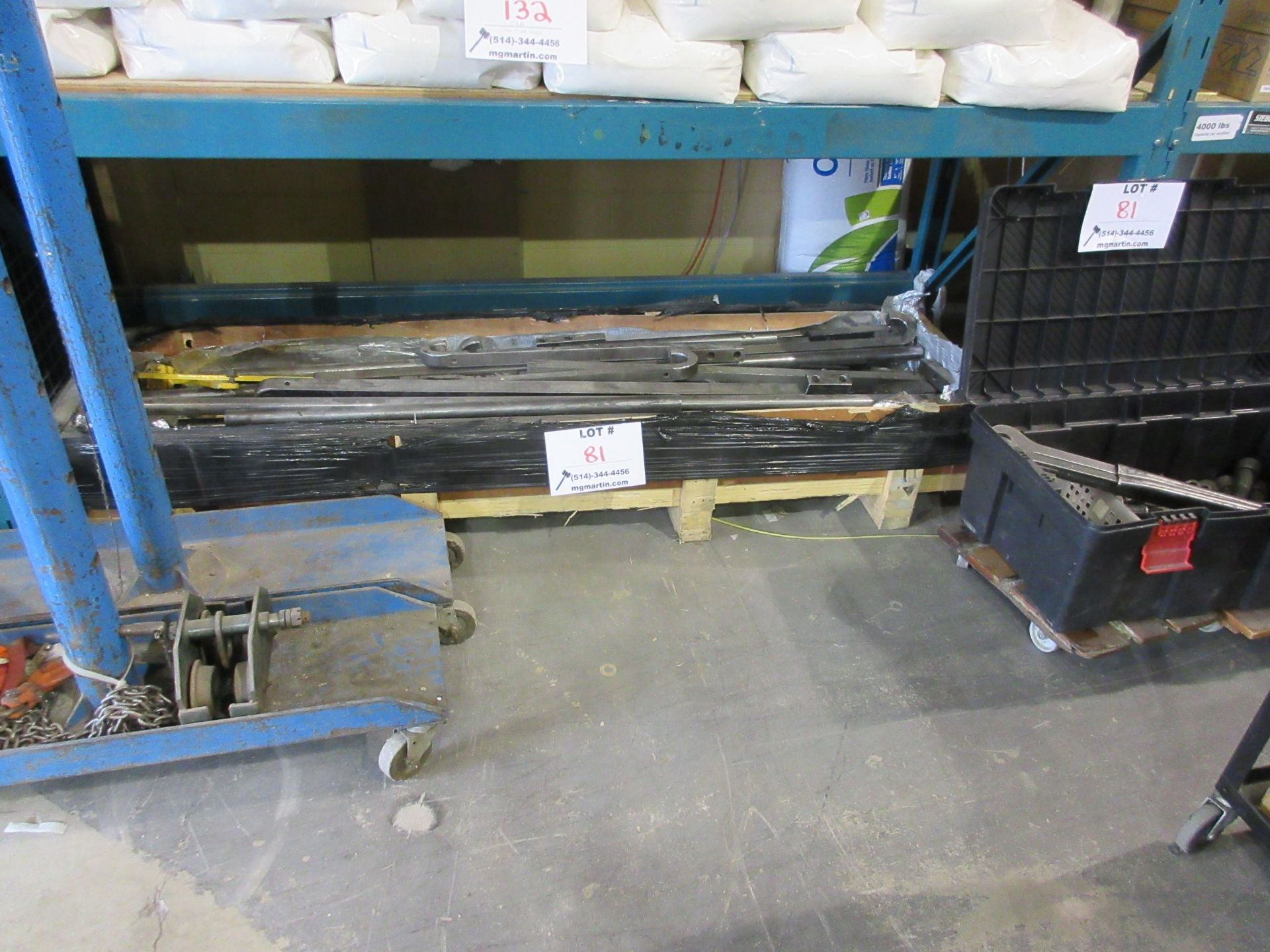 Lot 81 - LOT Including heavy duty tools to move industrial machinery