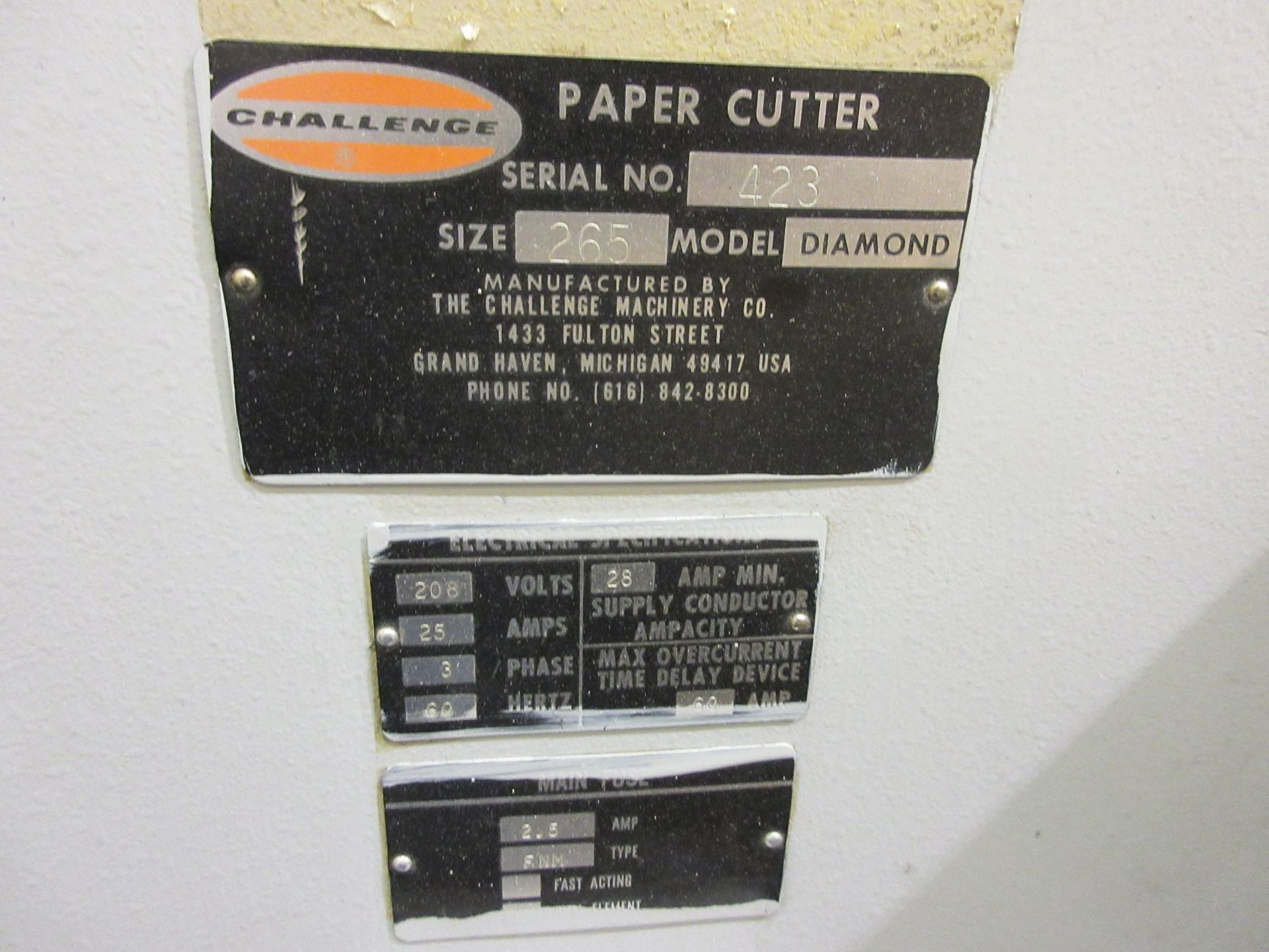 "Lot 27 - CHALLENGE paper cutter (mod: Diamond) 26 1/2"""