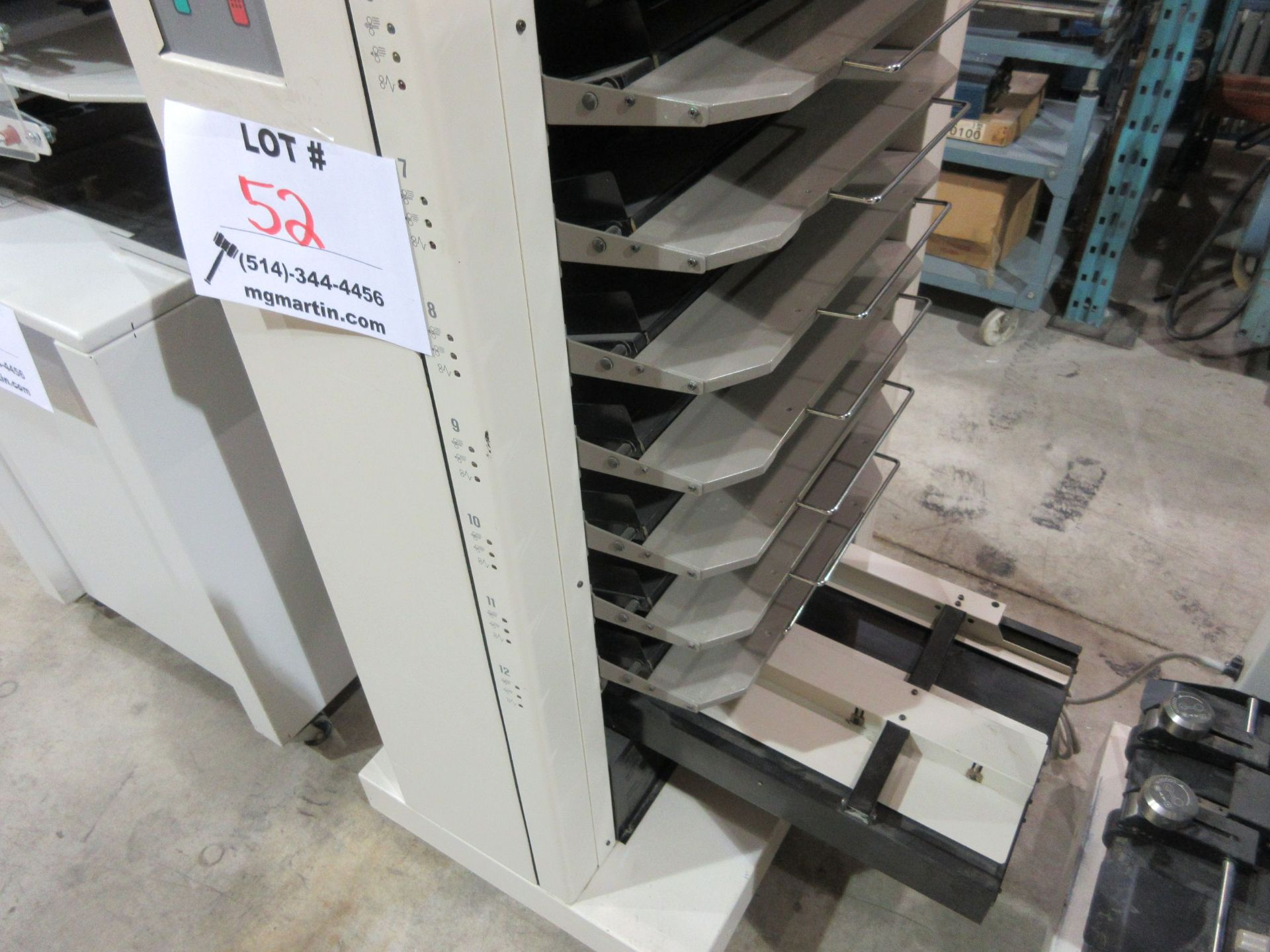 Lot 52 - STANDARD DUPLO 1248A and (12) tower station collator