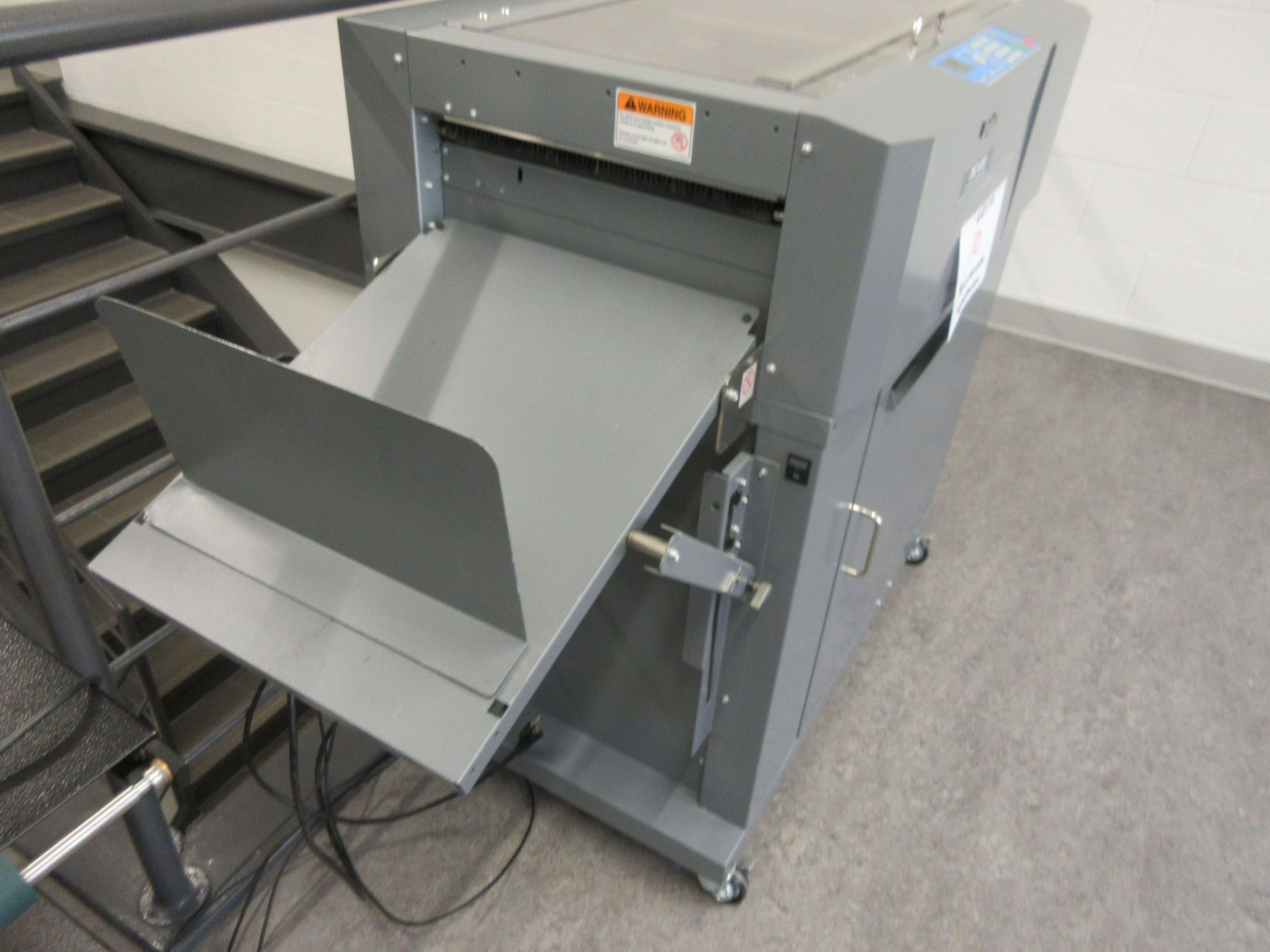 "DUPLO slitter/cutter/creaser 12"" x 18"" (mod:DC-615) - Image 4 of 4"