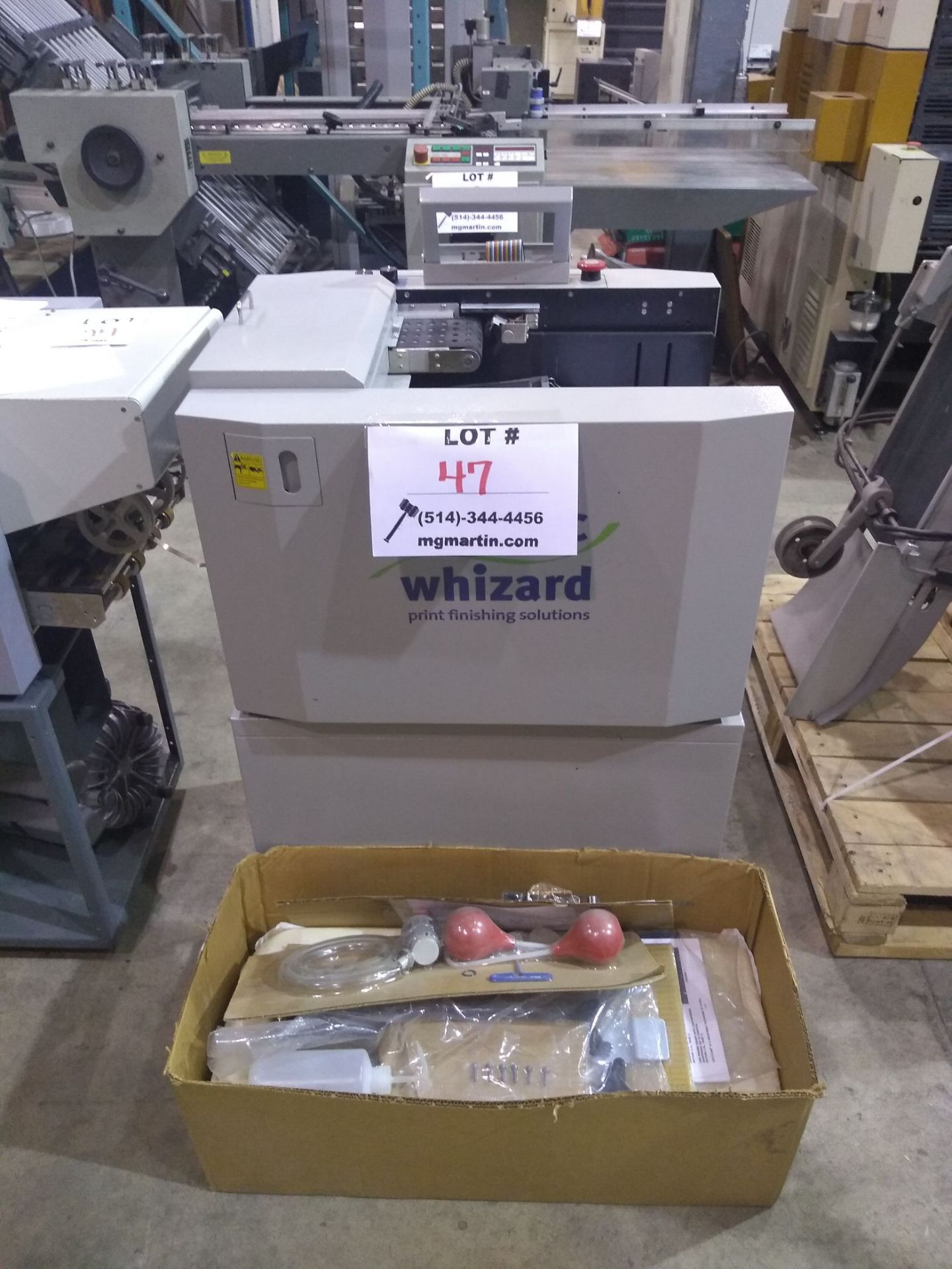 GRAPHIC WHIZARD auto creaser (mod: 335 A+)/KOMPAC automatic dampening system (mod: sp430) (AS IS)
