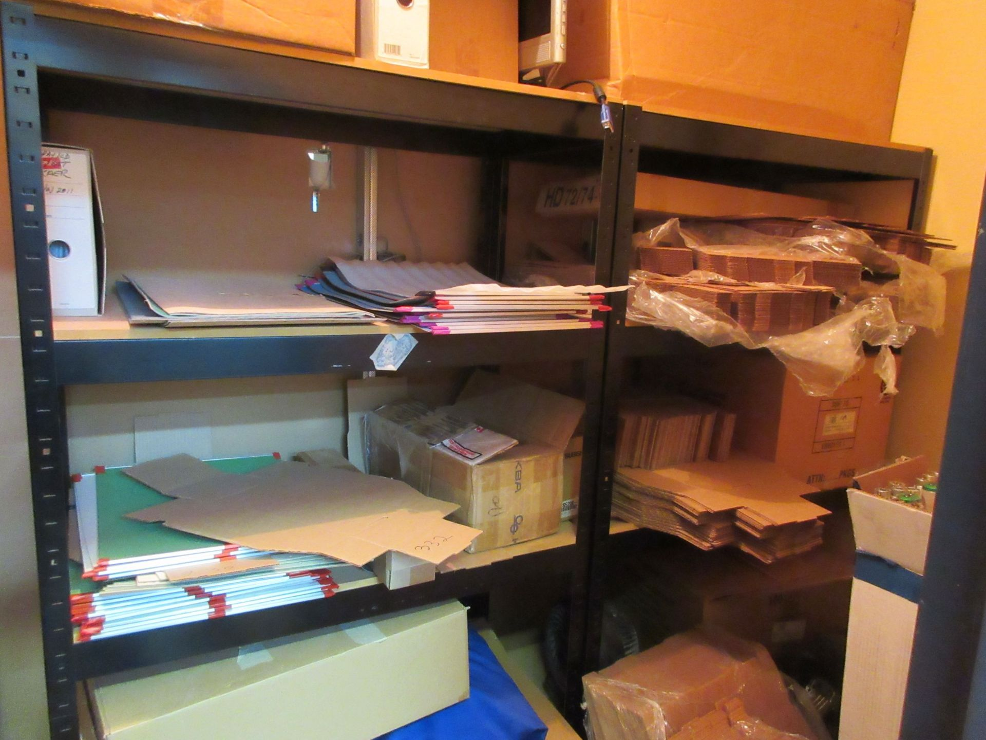 Lot 110 - LOT Including assorted miscellaneous parts (press blankets, etc.)