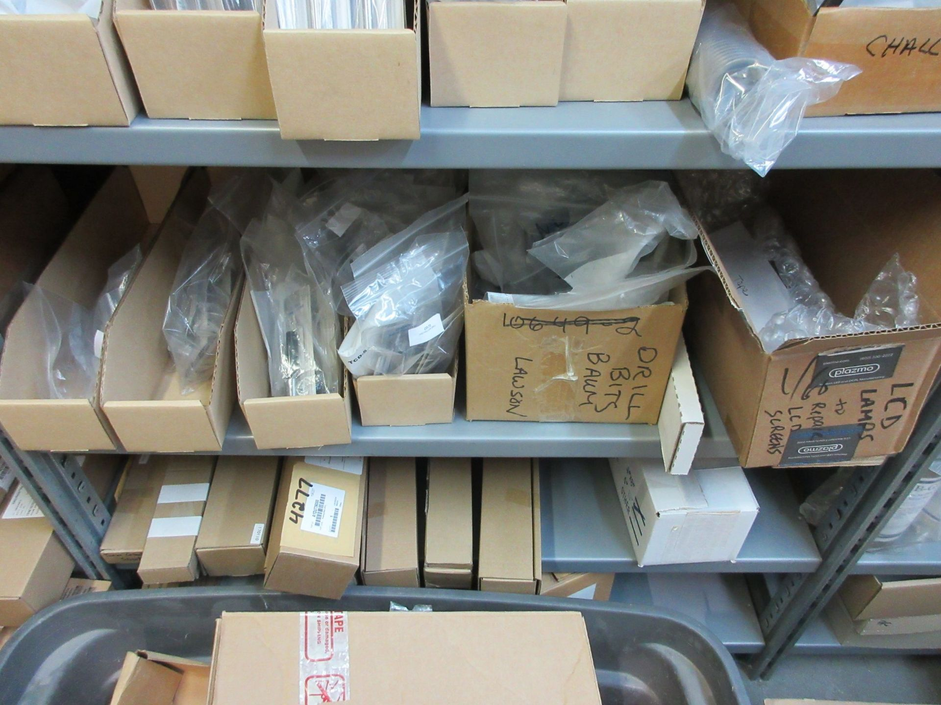 LOT Including boxes of assorted consumable parts for CHALLENGE (paper drills, cutting sticks, wooden - Image 3 of 6