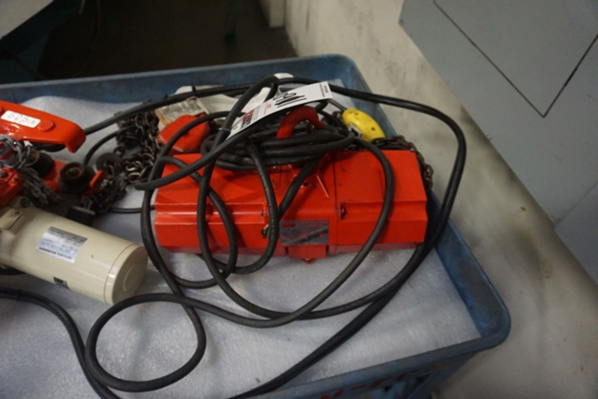 Lot 1160 - Dayton 1/4 Ton Hoist