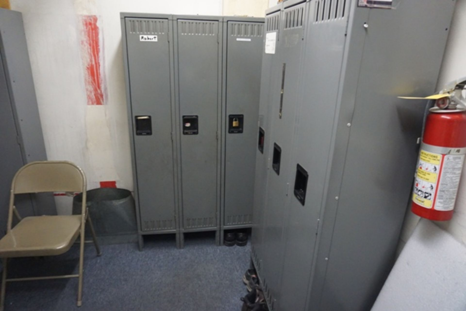 Lot 1190 - Lockers