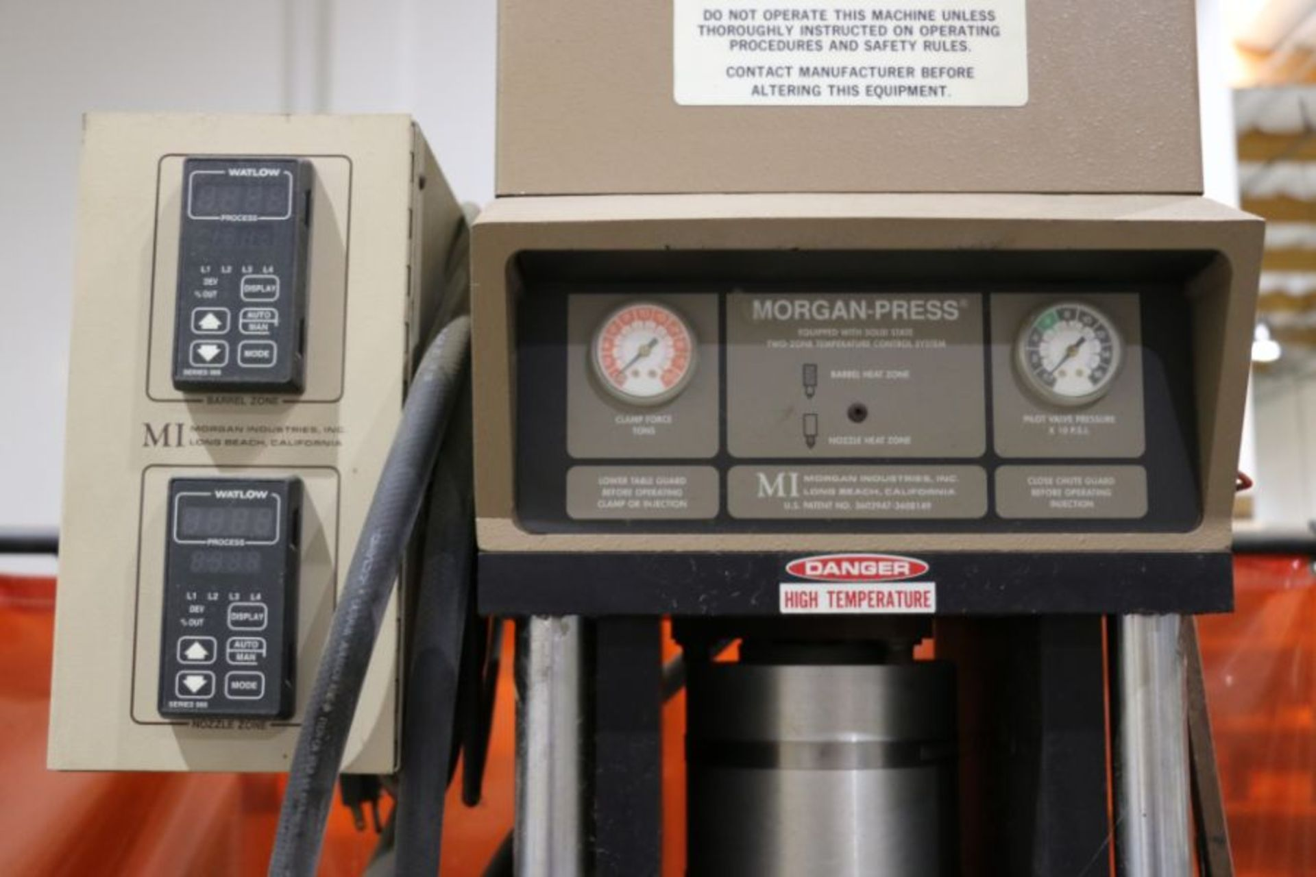 Morgan Press G-100T Vertical Plastic Injection Molding Press, New 2001 - Image 3 of 4