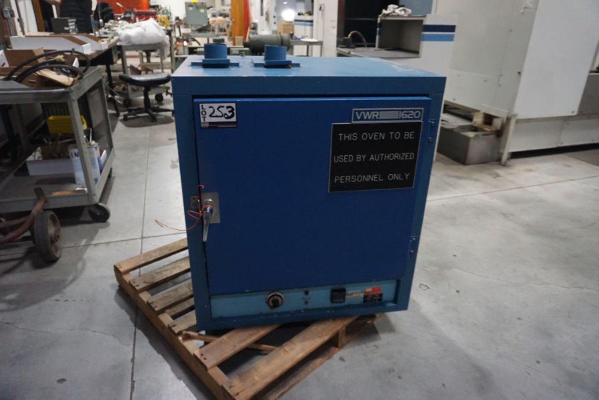VWR-1620 Oven