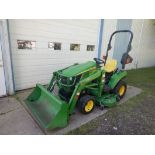 2012 JOHN DEERE 1023E 4WD COMPACT TRACTOR W/ FRONT END LOADER, 3 HYDRAULICS, DELUXE HOOD GUARD,