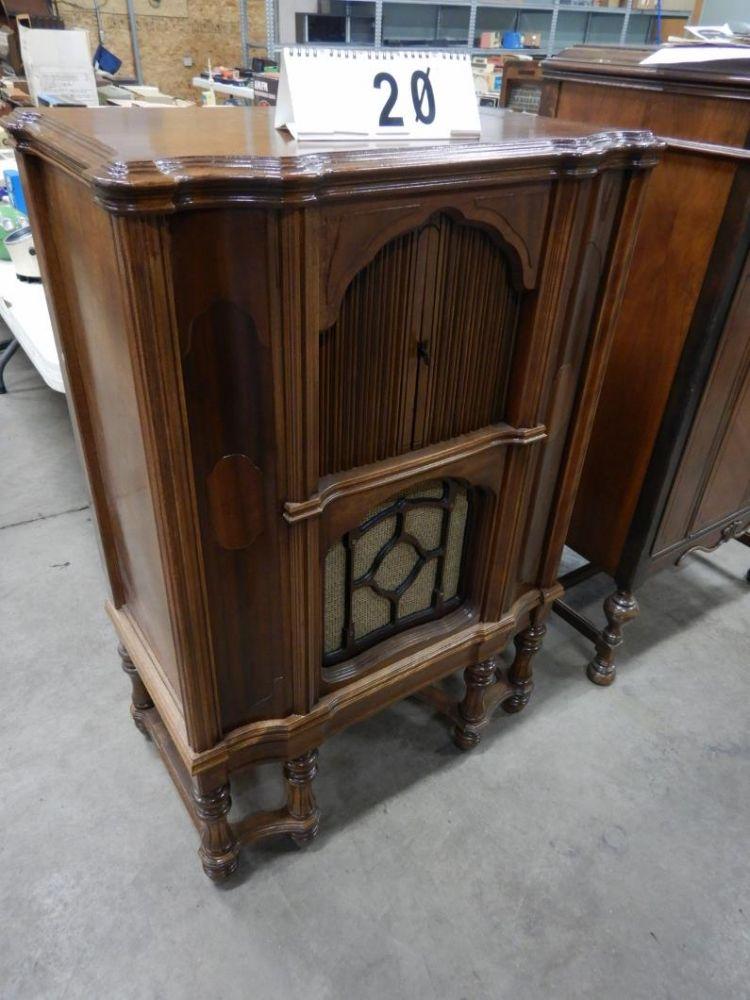 Bill Elmer Estate – Large Radio Collection