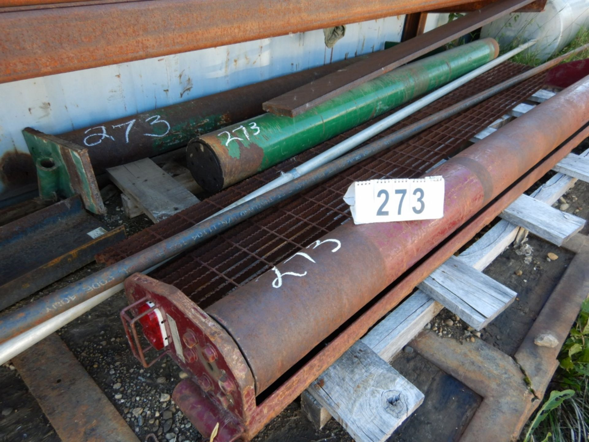 Lot 273 - L/O 3-LIVE ROLLS FOR BED TRUCK