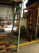 8FT FIBERGLASS STEP LADDER