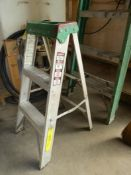 LOUISVILLE 2- FT ALUM STEP LADDER