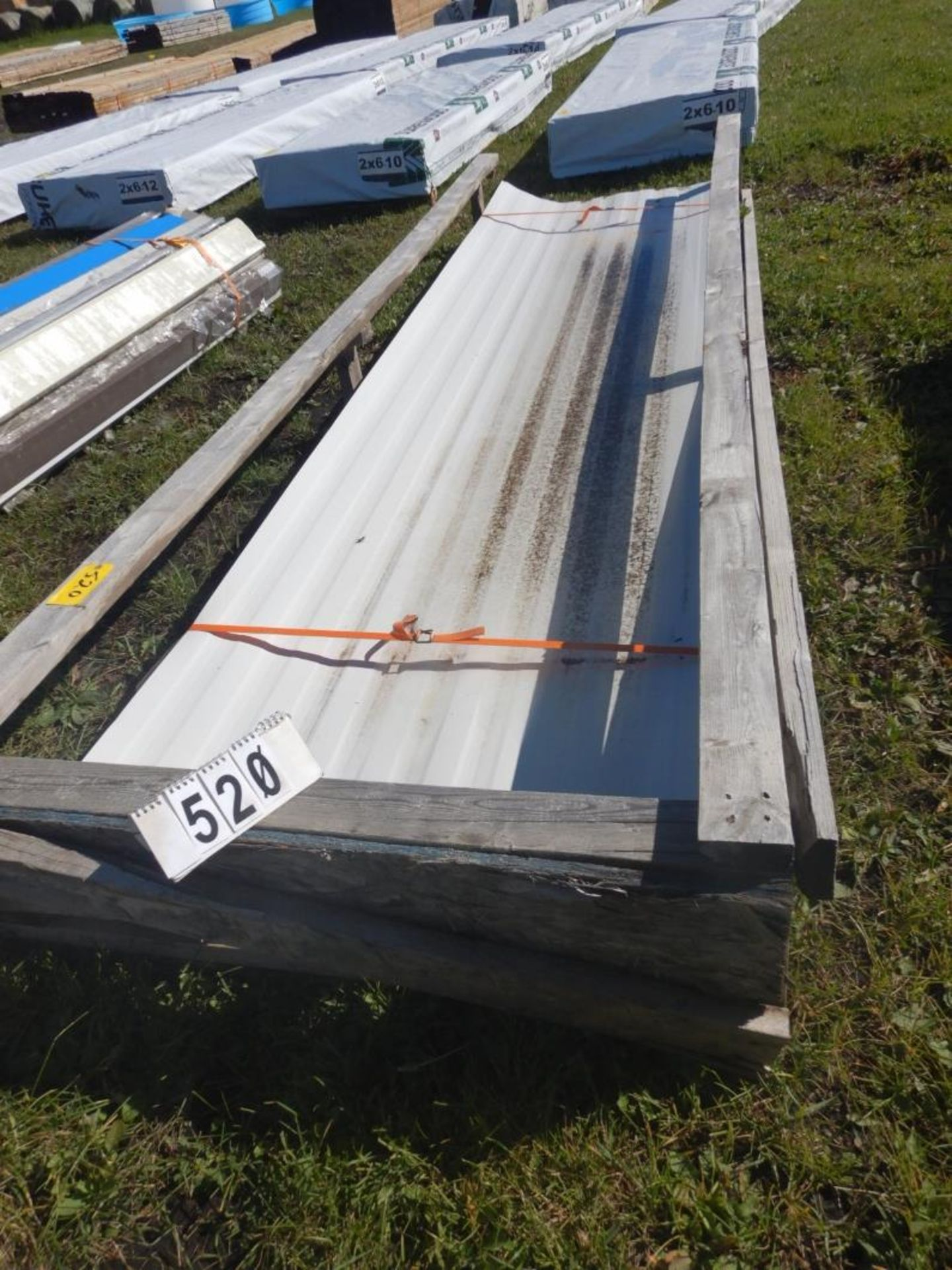 "Lot 520 - L/O 35-38""X12FT METAL SIDING SHEETS"