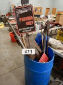 L/O SCOOP SHOVELS, SPADE SHOVEL, GARDEN FORK, GARDEN RAKE, WEEDING HOE, SNOW SHOVEL, POST MAUL ,