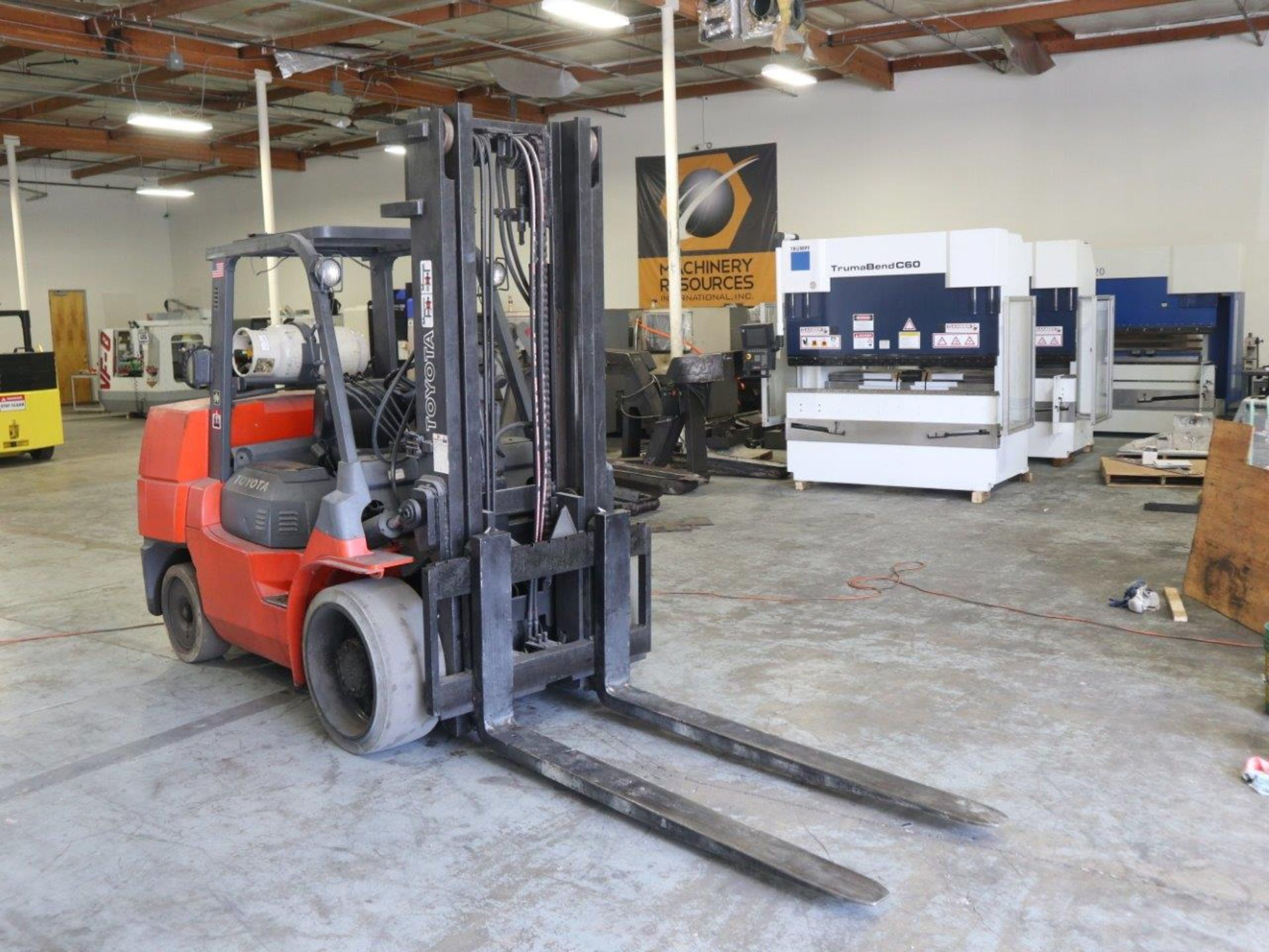 TOYOTA FORKLIFT 15,500 LBS LIFT CAPACITY 7FGCU70 - Image 3 of 8