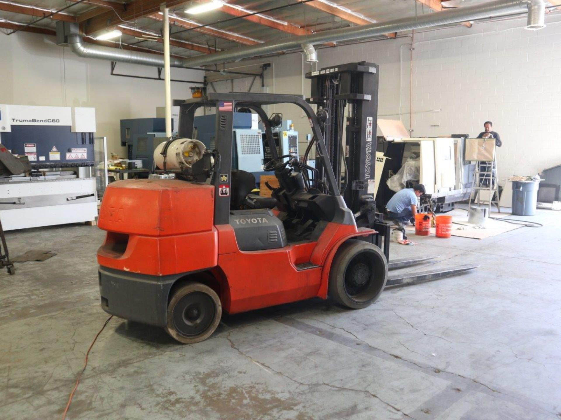 TOYOTA FORKLIFT 15,500 LBS LIFT CAPACITY 7FGCU70 - Image 2 of 8