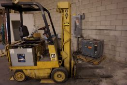 CATERPILLAR 495R ELECTRIC LIFT TRUCK WITH HOBART ACCU-CHARGER, S/N 195CS03687 *PLEASE NOTE: