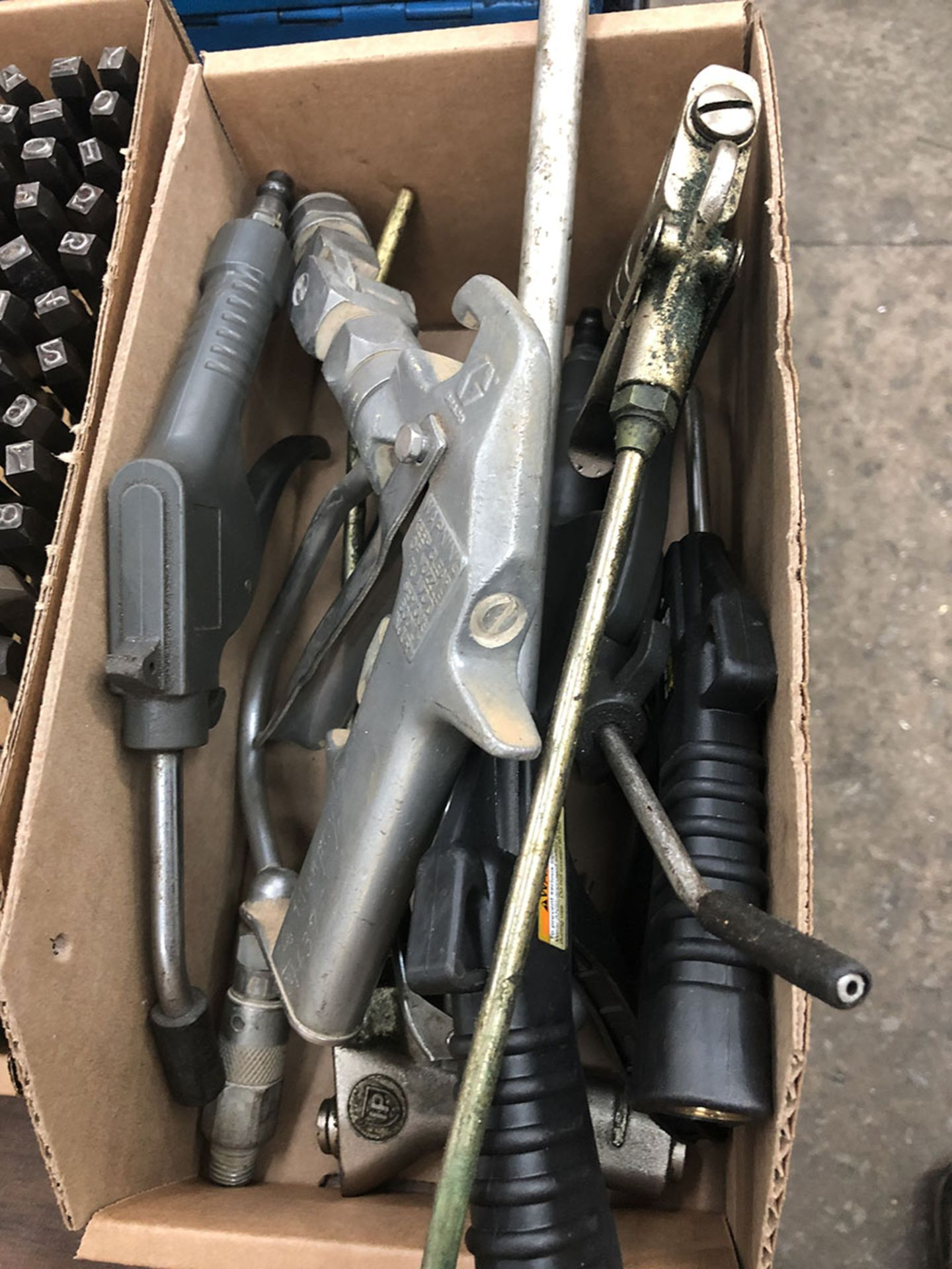 Lot 30 - LOT OF ASSORTED AIR HOSES