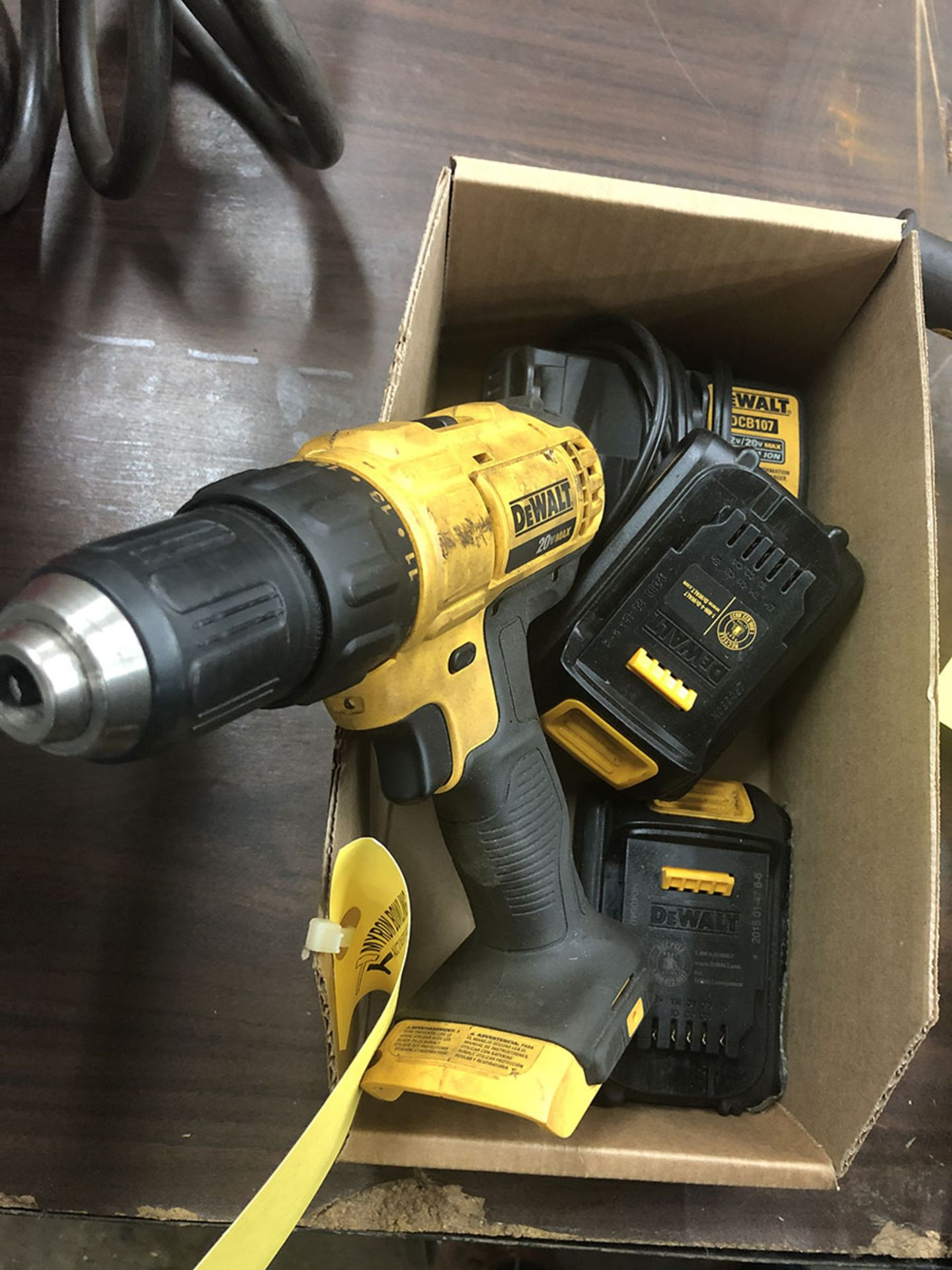 Lot 2 - DEWALT CORDLESS DRILL DCD771 WITH CHARGER AND (2) 12V BATTERIES