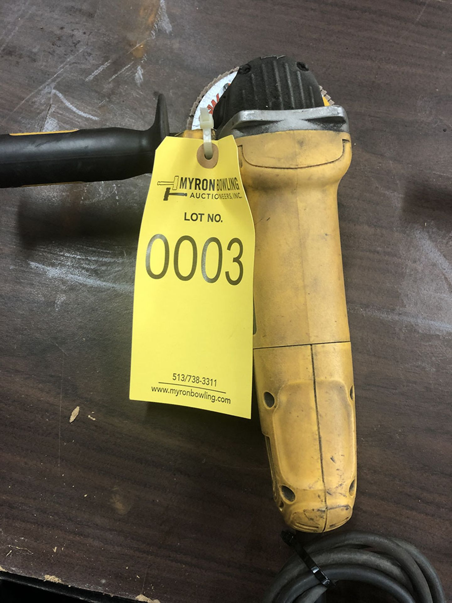 Lot 3 - DEWALT ELECTRIC GRINDER D28402