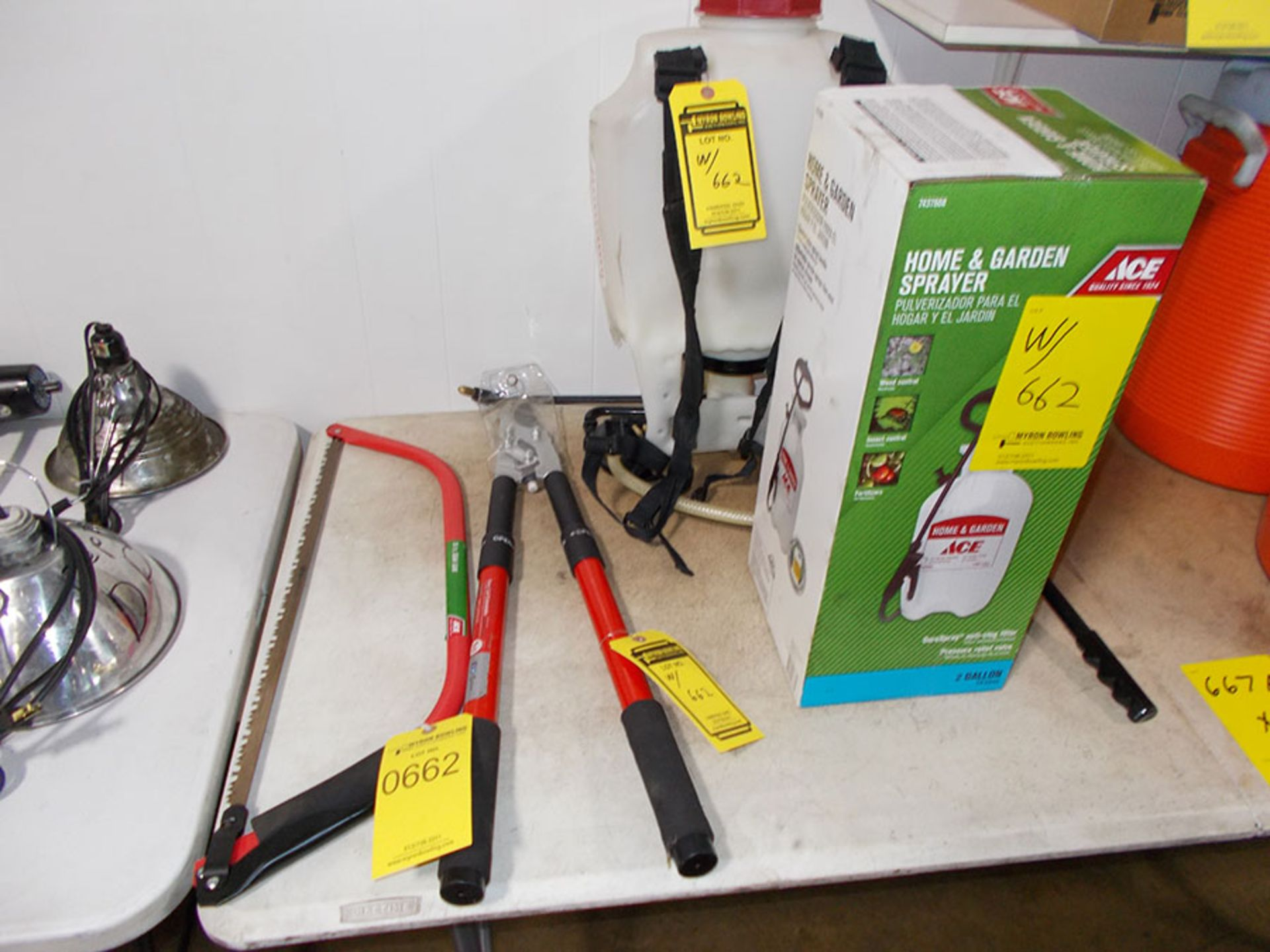 Lot 662 - 24'' BOW SAW, EXTENDABLE HANDLE TRIMMER, AND (2) SPRAYERS