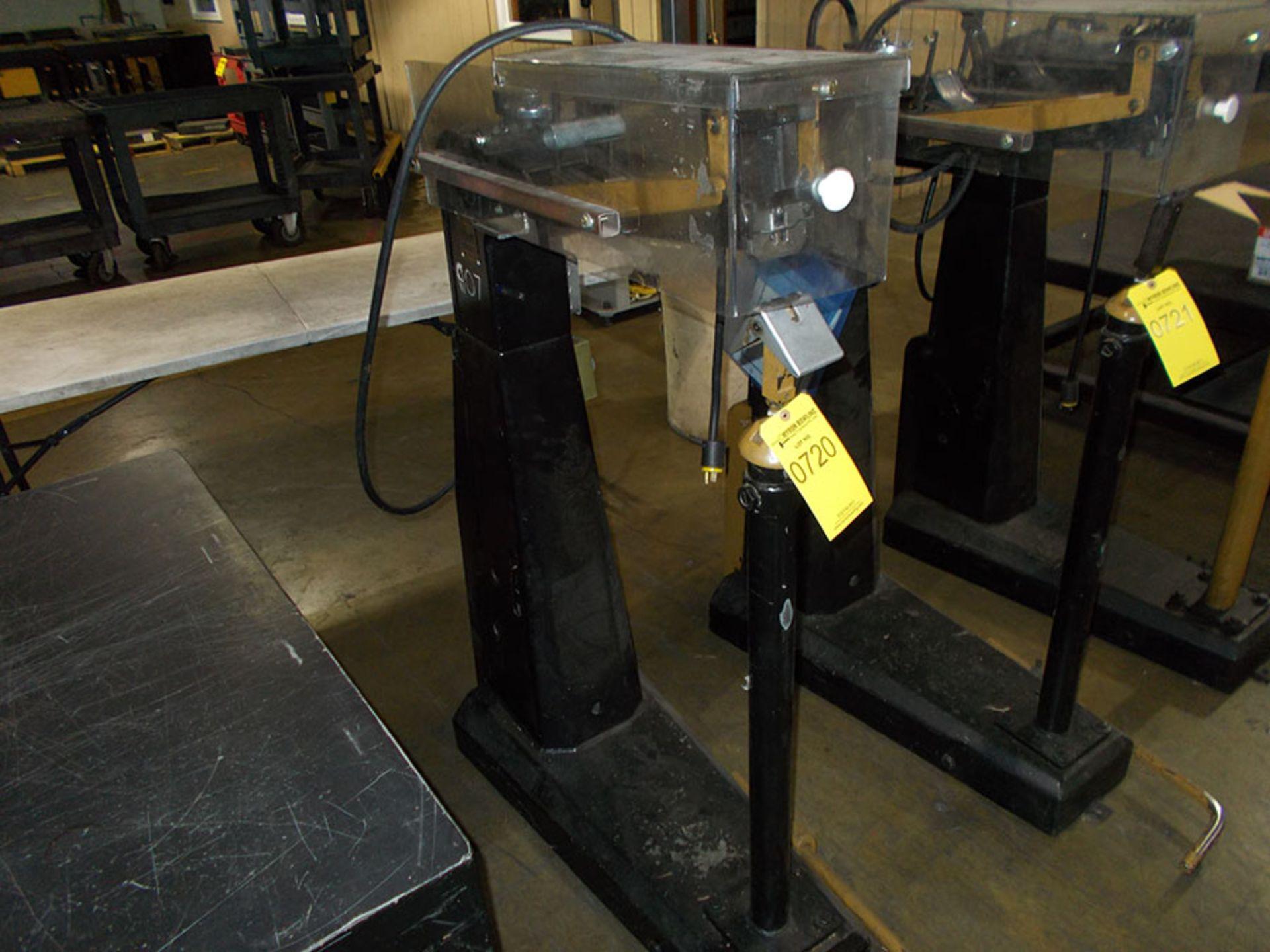 Lot 720 - BOSTITCH BOX BOTTOM STAPLER; FC95-2
