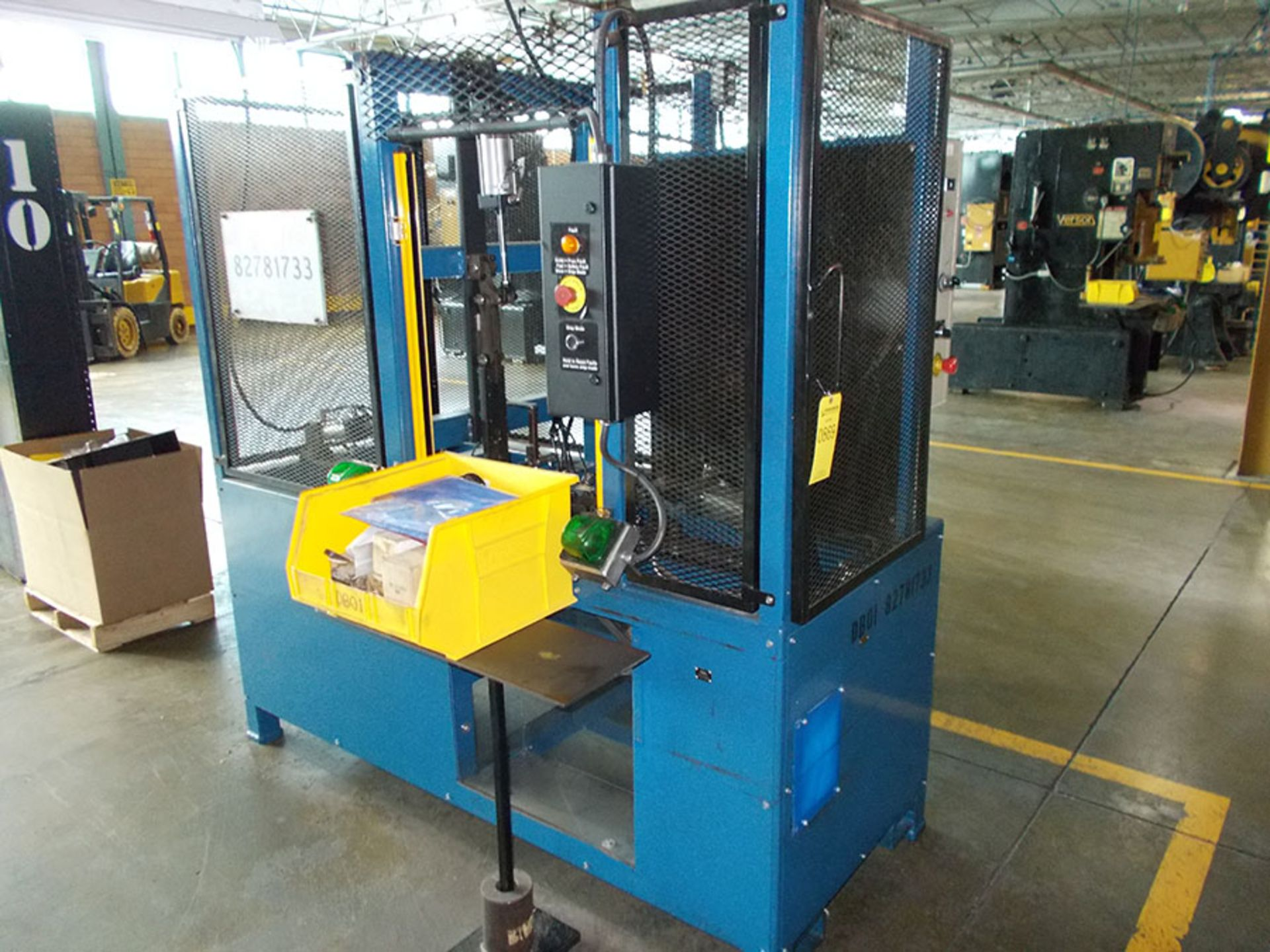 Lot 869 - INDUSTRIAL TOOL & DIE WIRE FORMING MACHINE; NO. 82781733, 120V, WITH PLASTIC TOTE OF SPARE PARTS