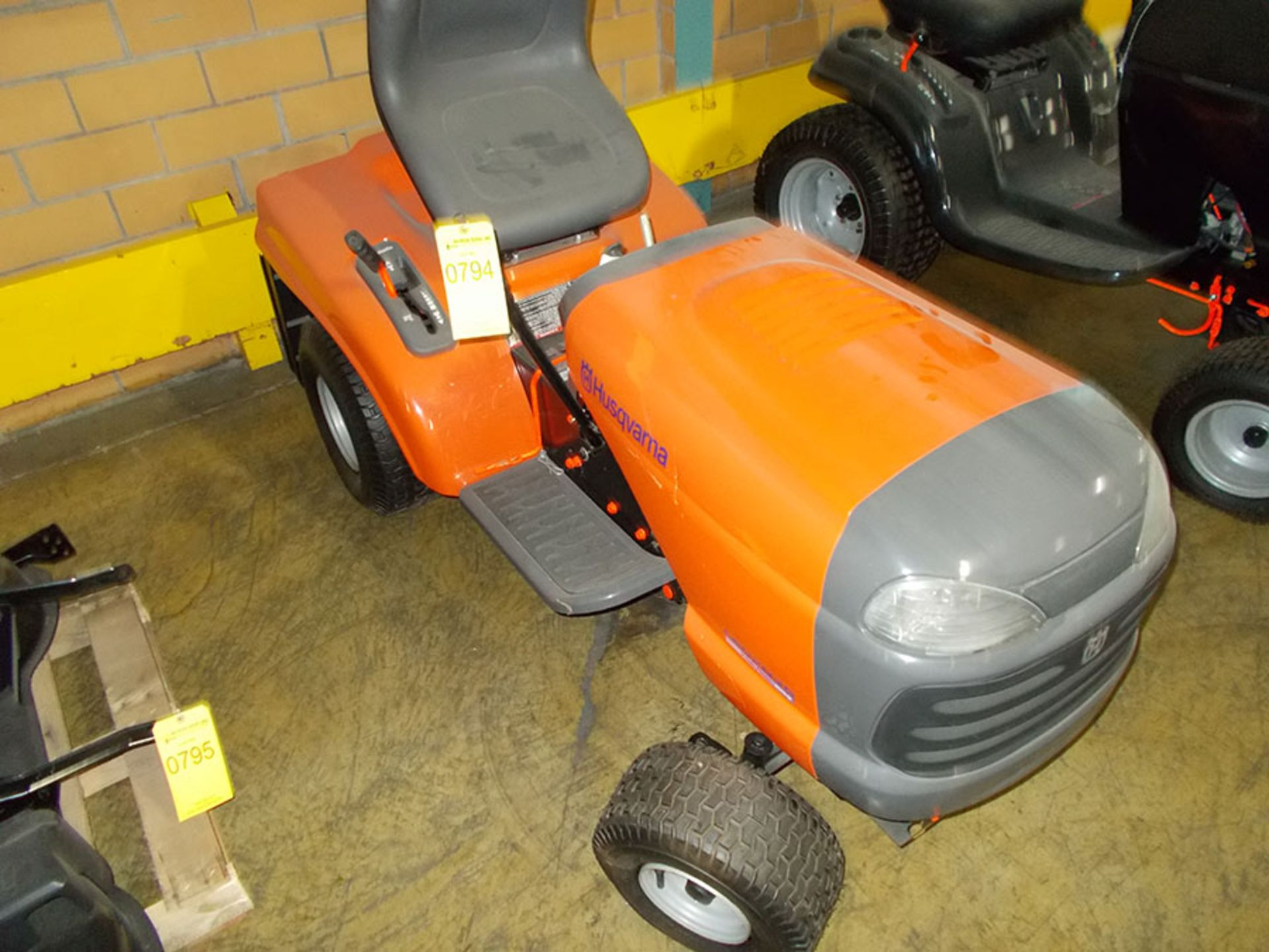 Lot 794 - HUSQVARNA RIDING LAWNMOWER (OUT OF SERVICE)