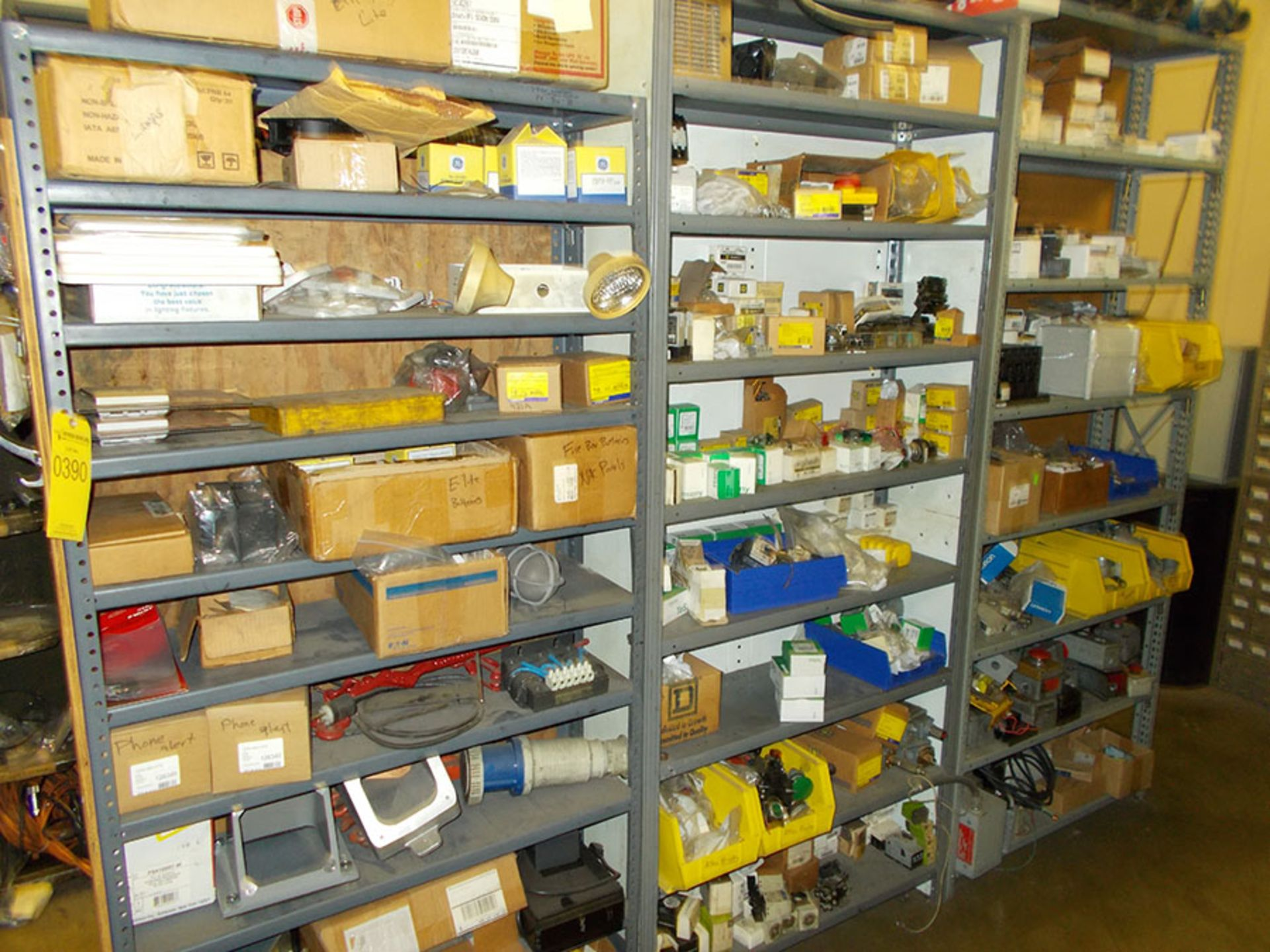 Lot 390 - REMAINDER OF ITEMS IN ELECTRIC SUPPLY CAGE