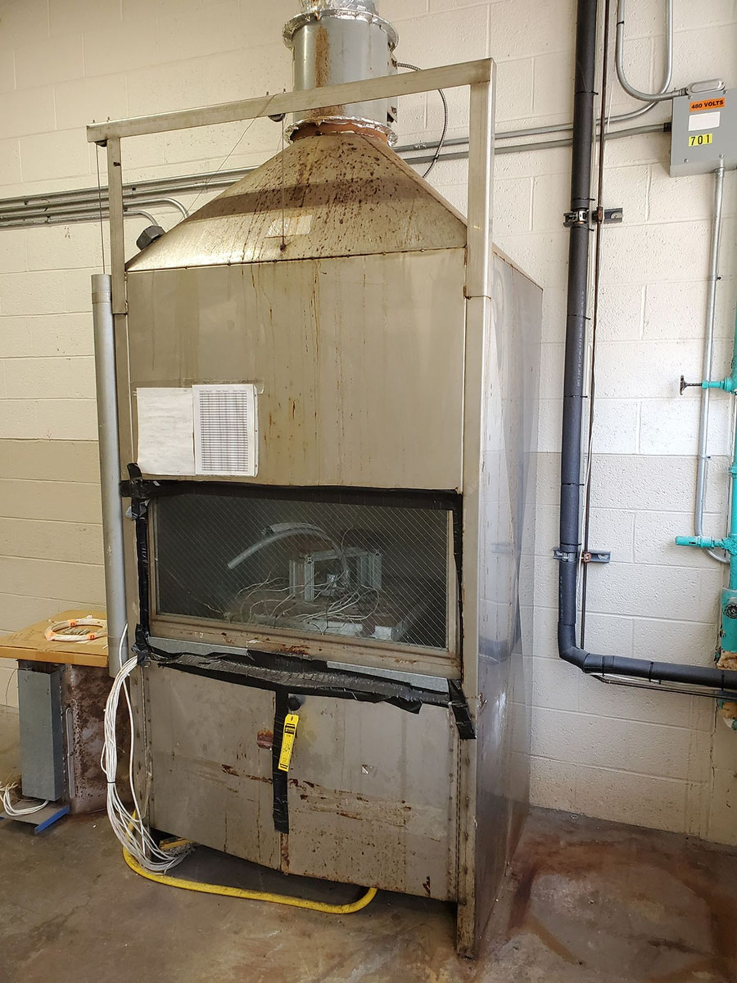 Lot 204 - KILN OVEN (OUT OF SERVICE)