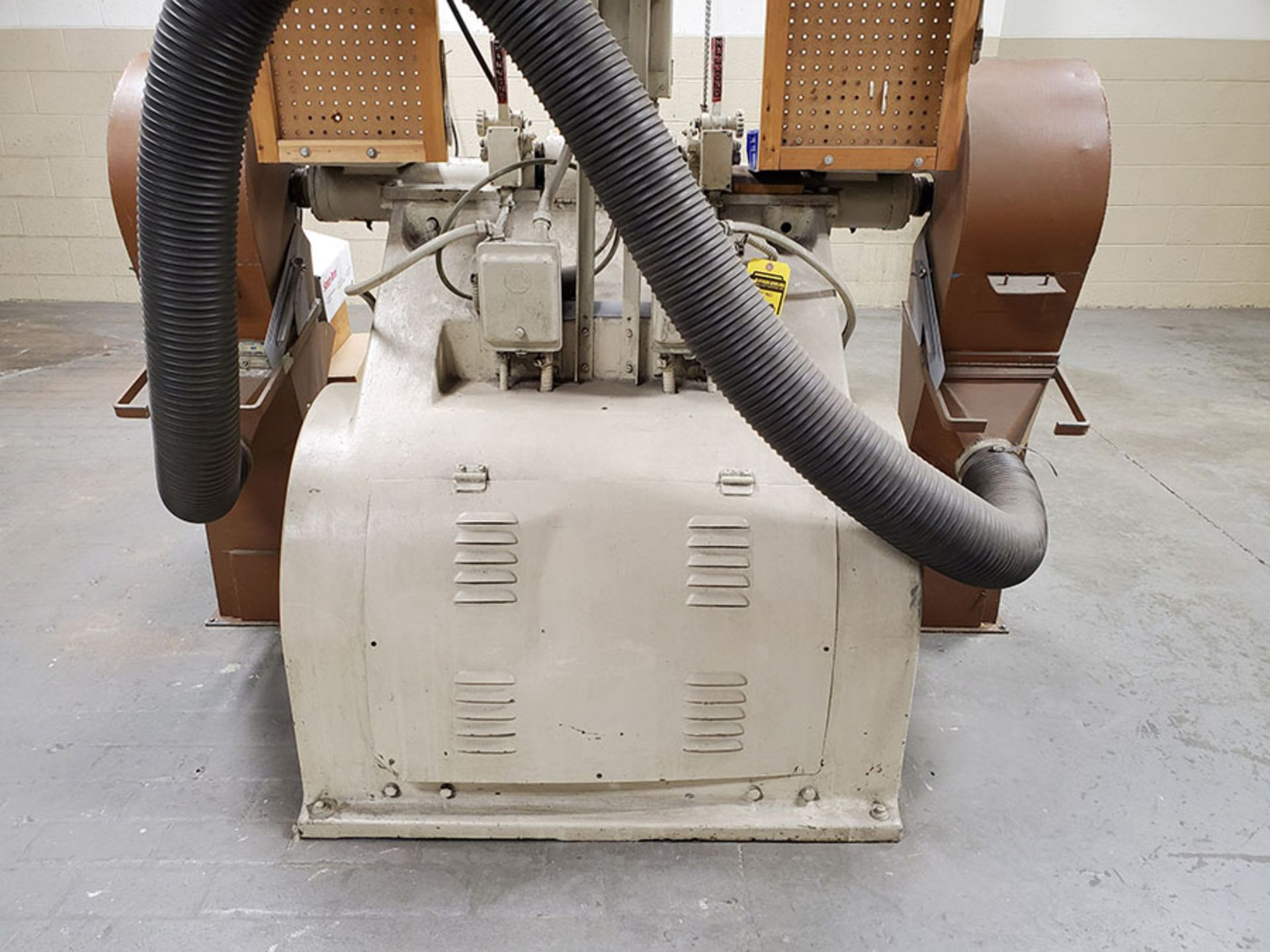 Lot 138 - HAMMOND MACHINERY DOUBLE END GRINDER; MODEL 5-RRO, S/N 9563, 5-HP, 1745 RPM MOTOR, 440V, 3-PHASE,