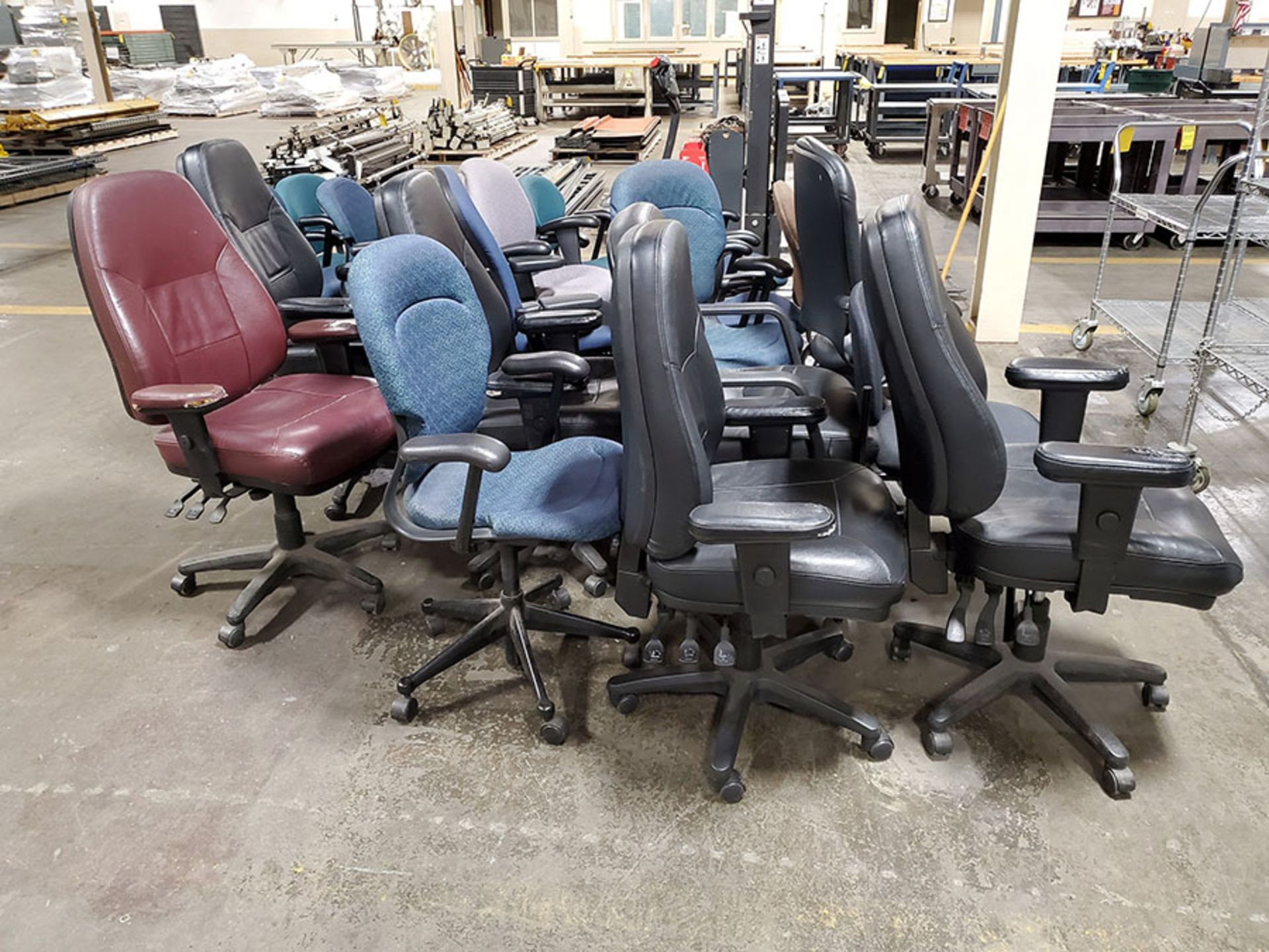 Lot 273 - LOT OF ASSORTED CHAIRS