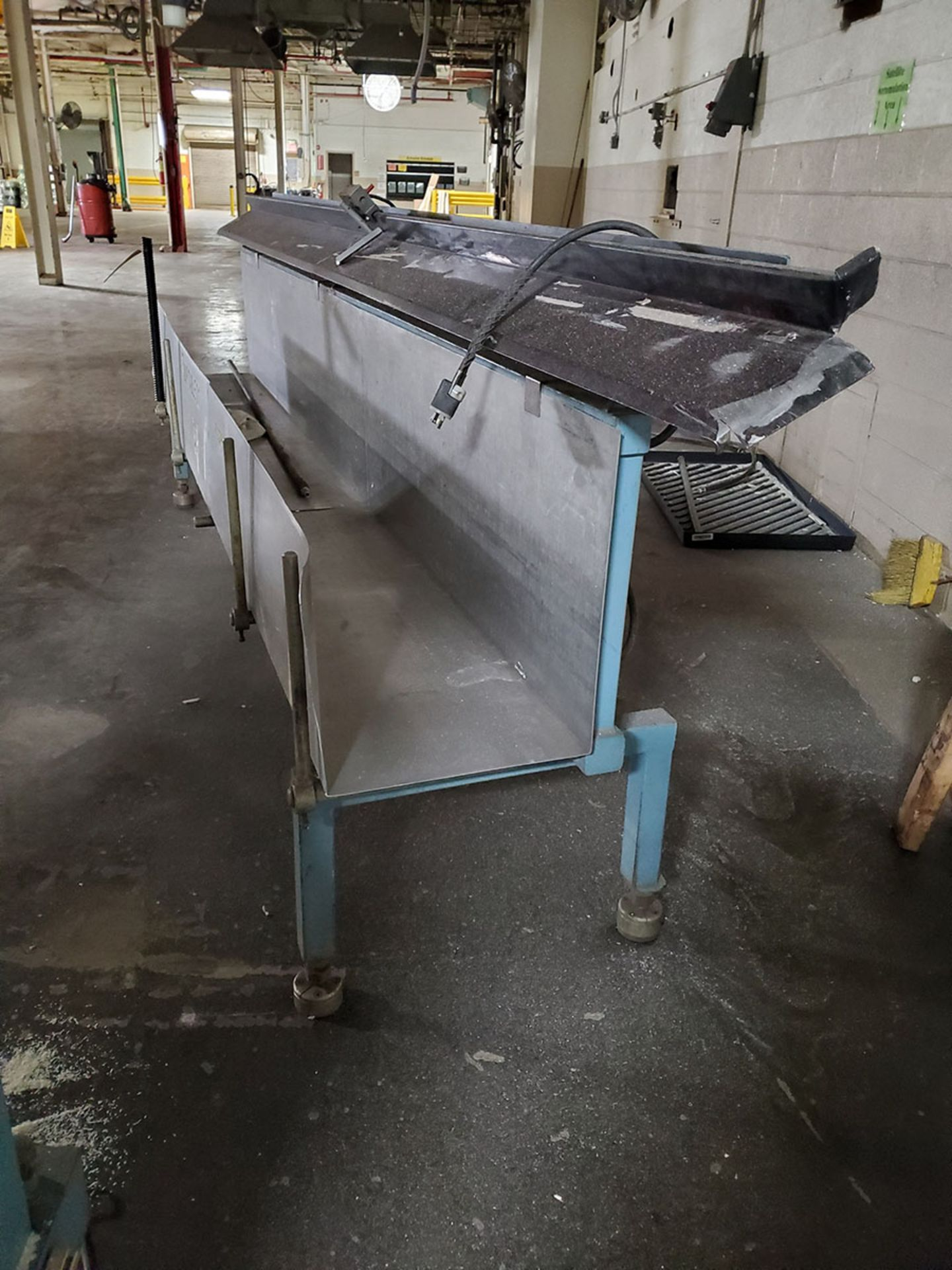 Lot 179 - STAINLESS DUMP TABLE