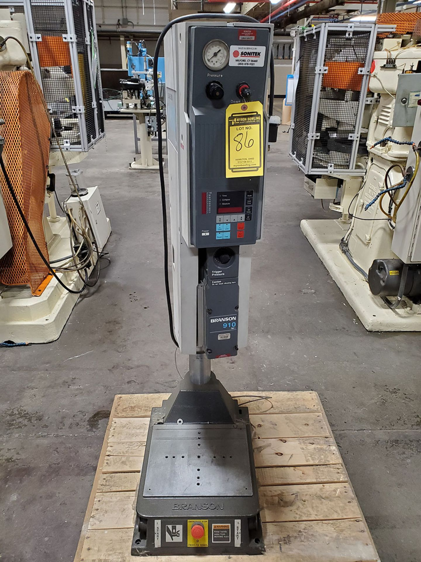 Lot 86 - FORWARD TECHNOLOGY INDUSTRIES ULTRA SONIC WELDER; TYPE MSO, NO. M606120149 & BRANSON 900 SERIES