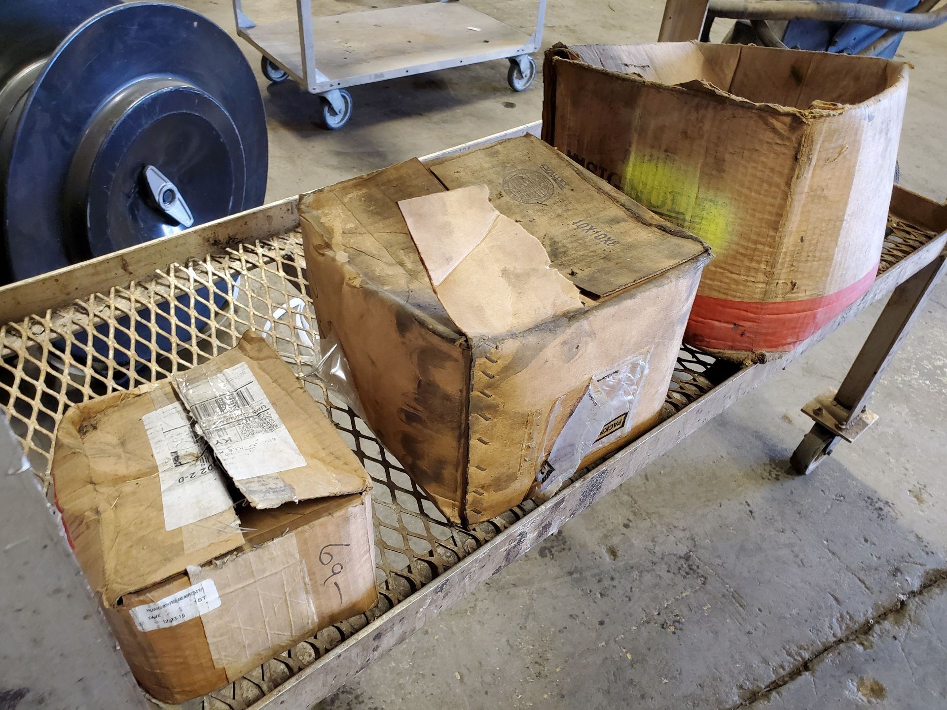 Lot 138 - CART W/ ASSORTED BANDING TOOLS & BANDING CLIPS