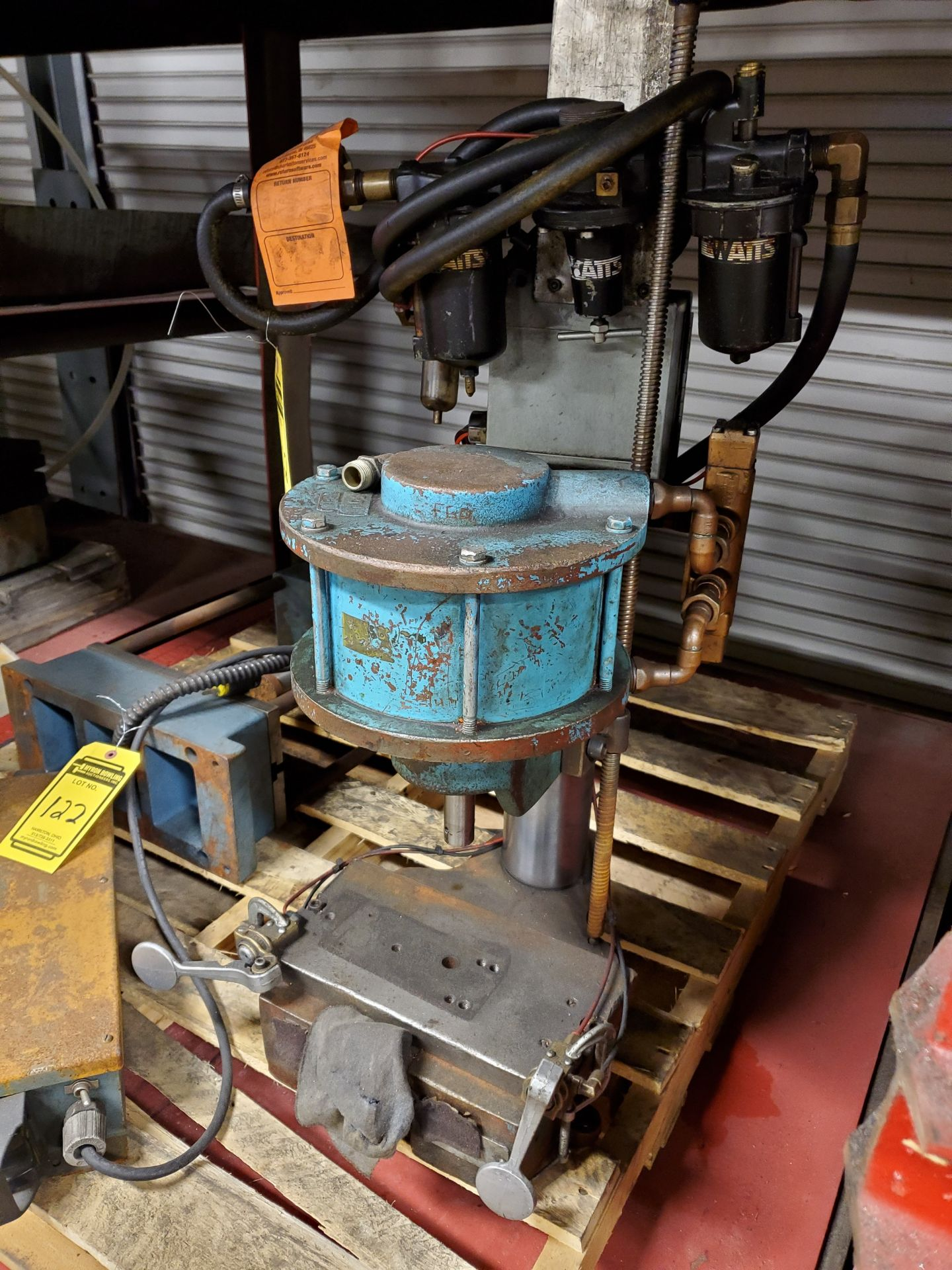 Lot 122 - (2) PNEUMATIC PRESSES, AIR HYDRAULICS S/N 50AX-4722 & OTHER