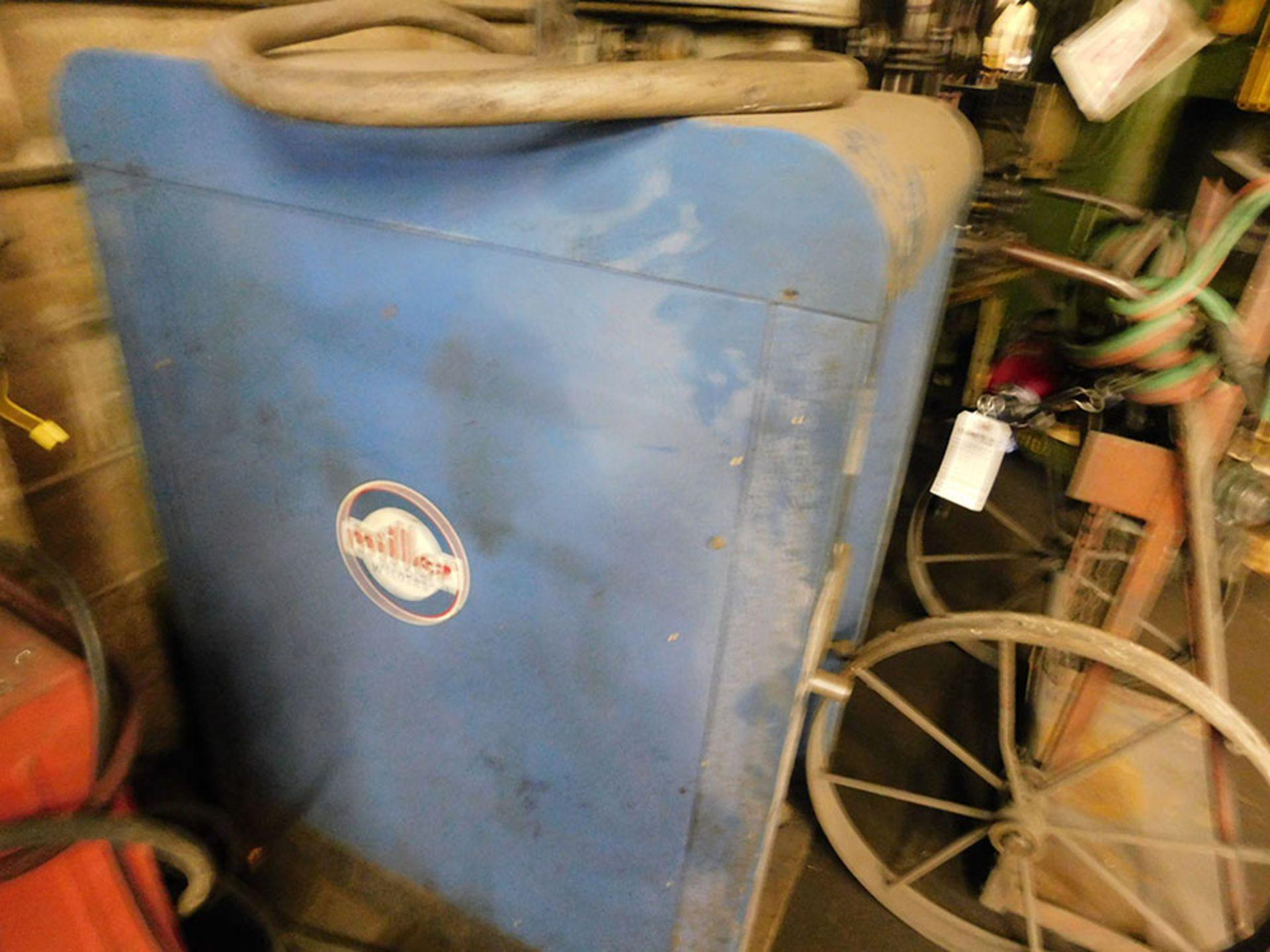 Lot 381 - MILLER AC/DC ARC WELDER; MODEL MD-330, S/N 70-551109, 230/460 VOLT, 60 CY FREQUENCY