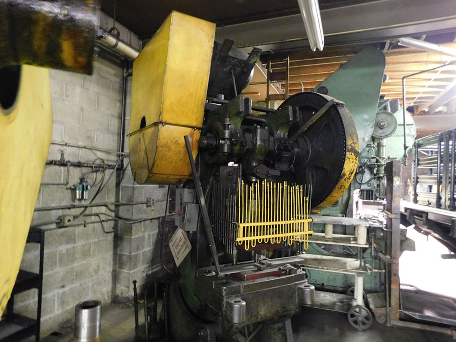 Lot 388 - MISTER GEAR DRIVEN 55-TON PUNCH PRESS