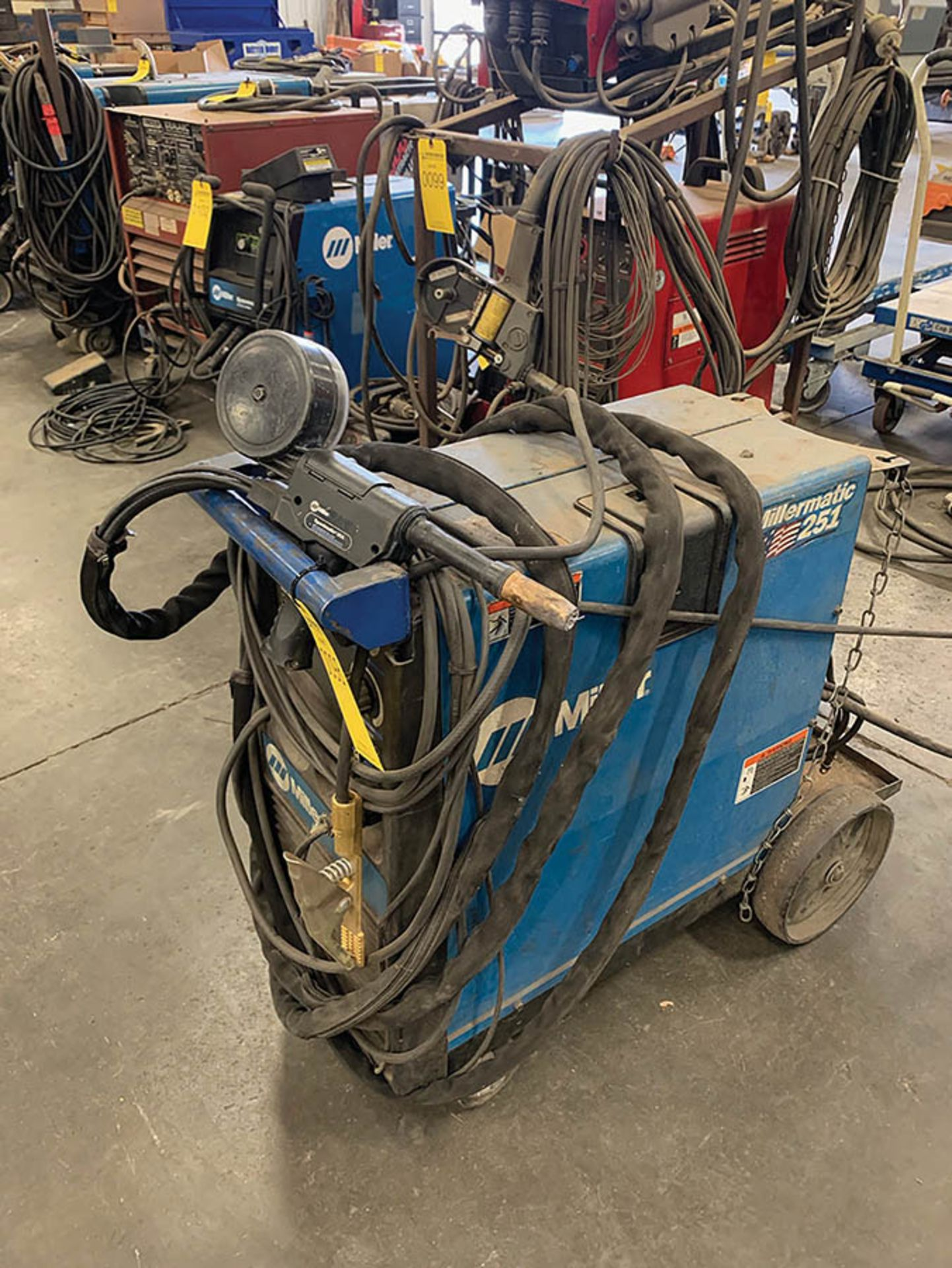 Lot 98 - MILLER 251 WIRE FEEDER WELDER, S/N LG340363B