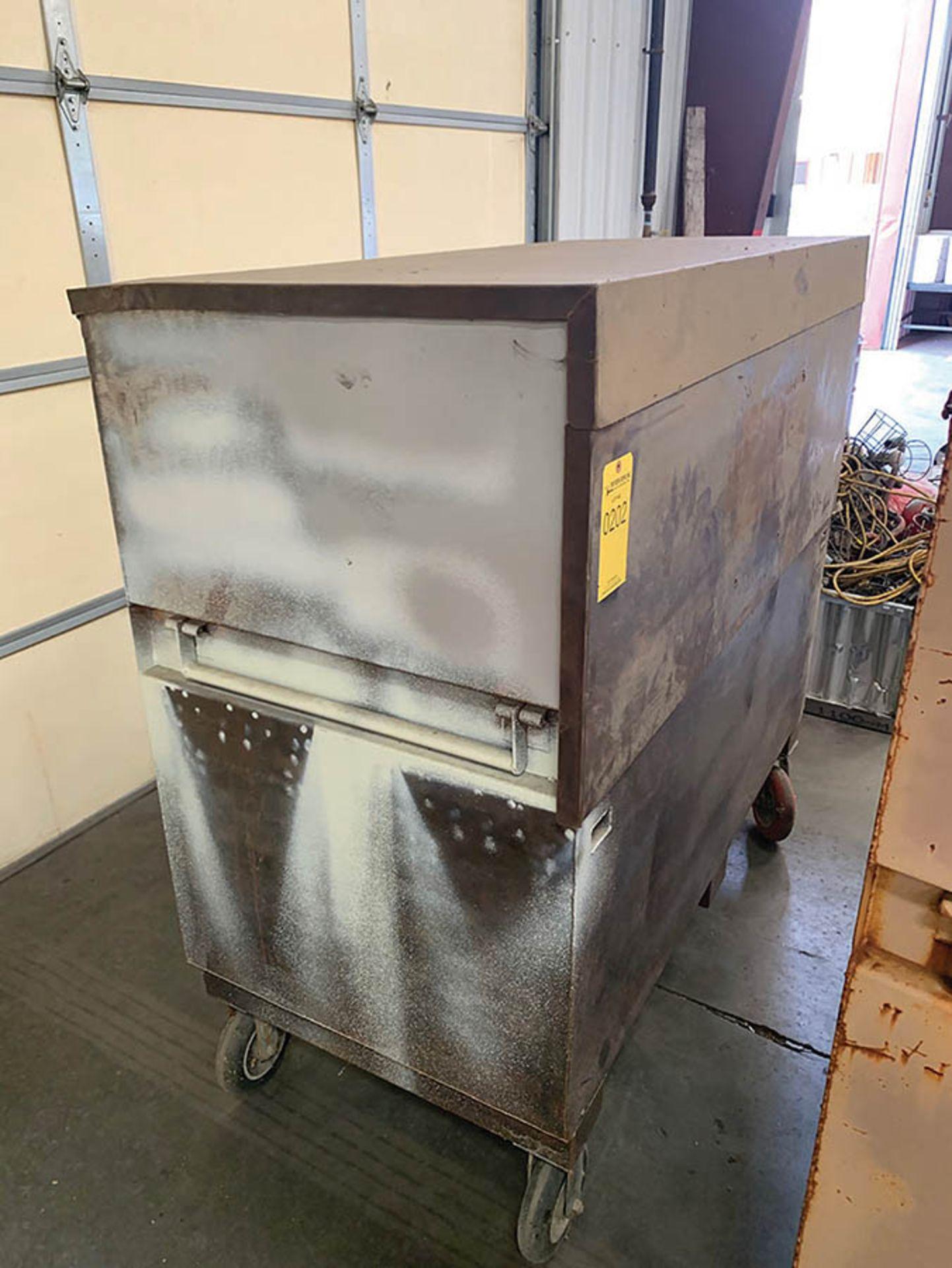 KNAACK JOB BOX ON CASTERS